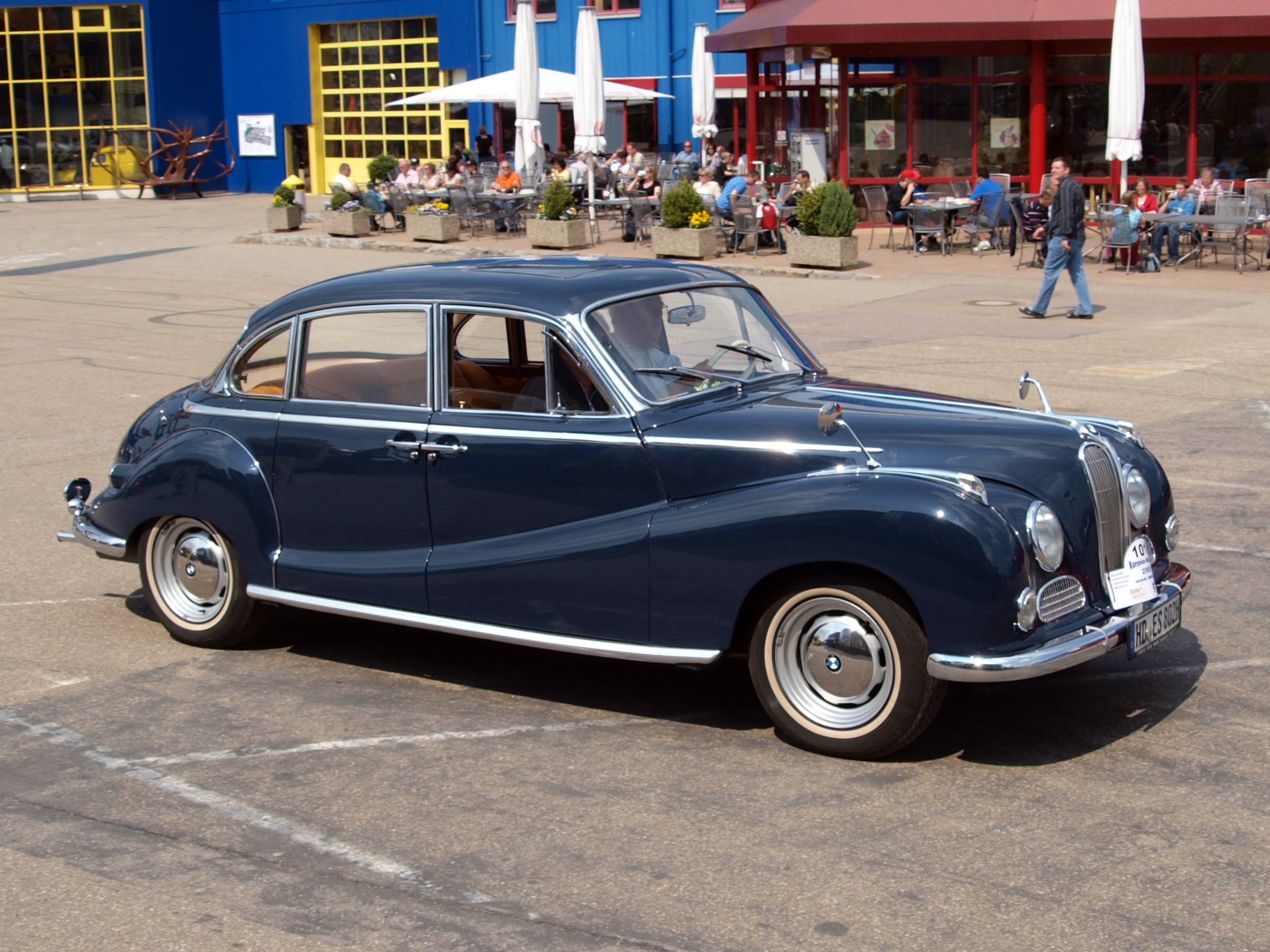File:BMW 502 3200 Super (1963) p4.JPG - Wikimedia Commons