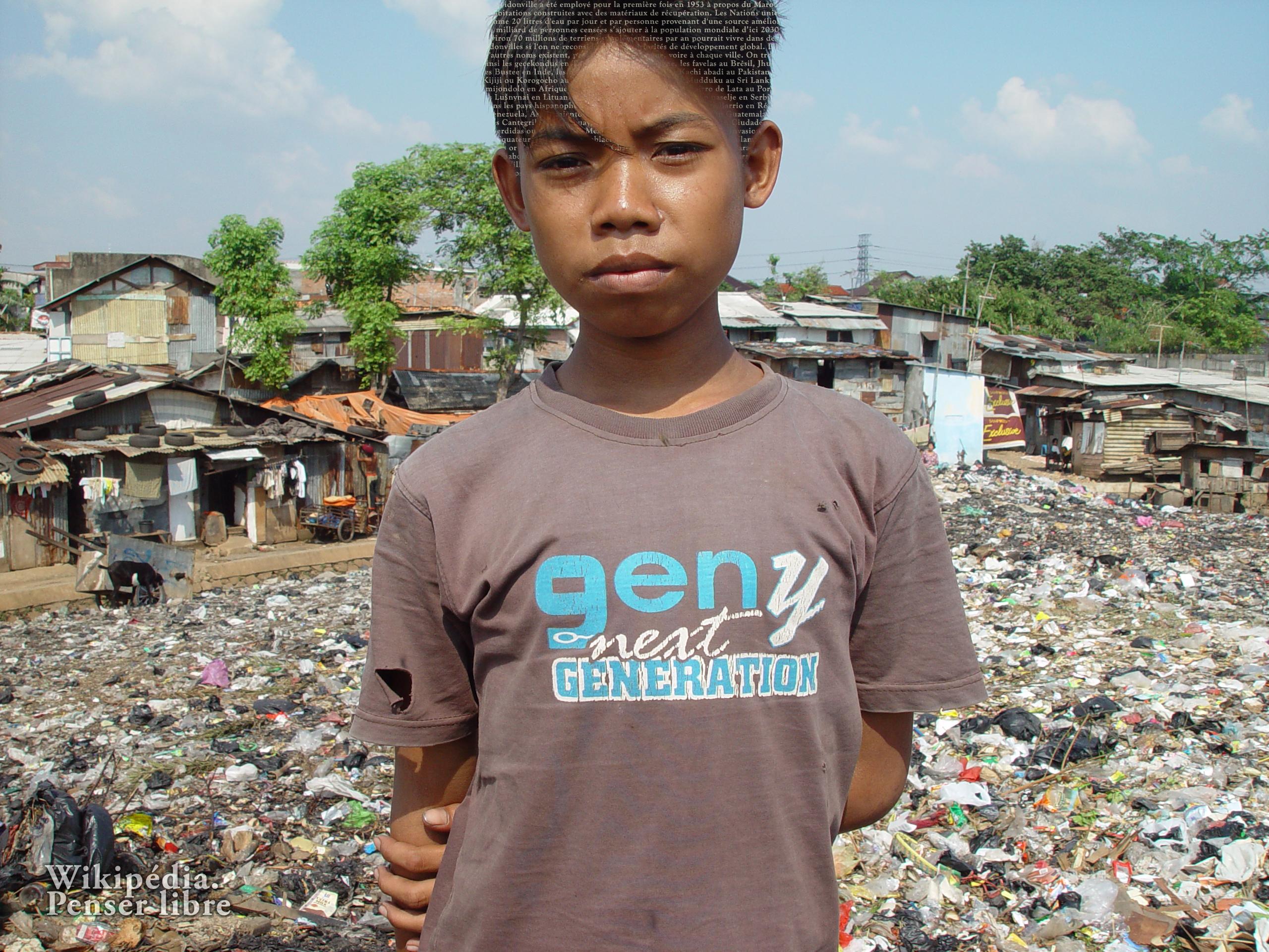 http://upload.wikimedia.org/wikipedia/commons/1/16/Bidonville_de_Jakarta.jpg