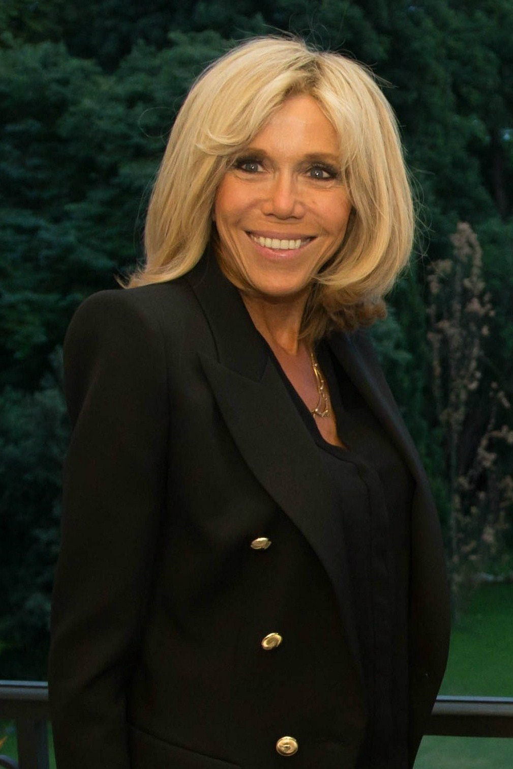 brigitte macron wikipedia la enciclopedia libre. Black Bedroom Furniture Sets. Home Design Ideas