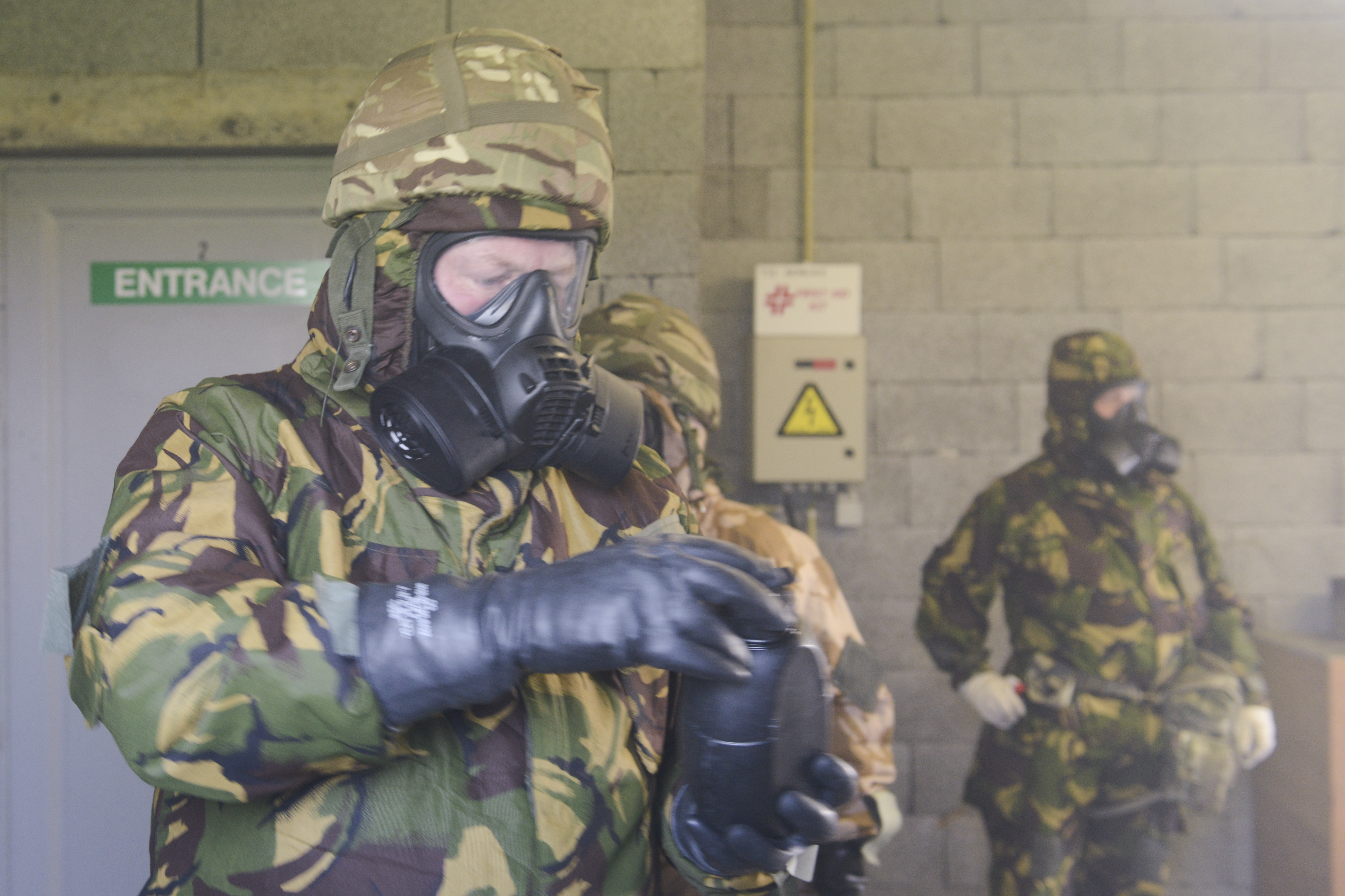 File:British forces train on CBRN procedures in a US Army facility ...