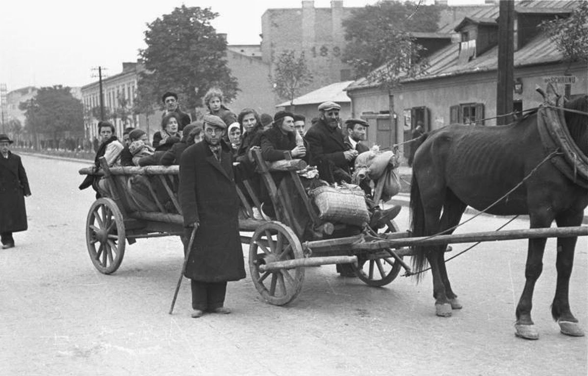 http://upload.wikimedia.org/wikipedia/commons/1/16/Bundesarchiv_Bild_101I-001-0251-29%2C_Warschau.jpg