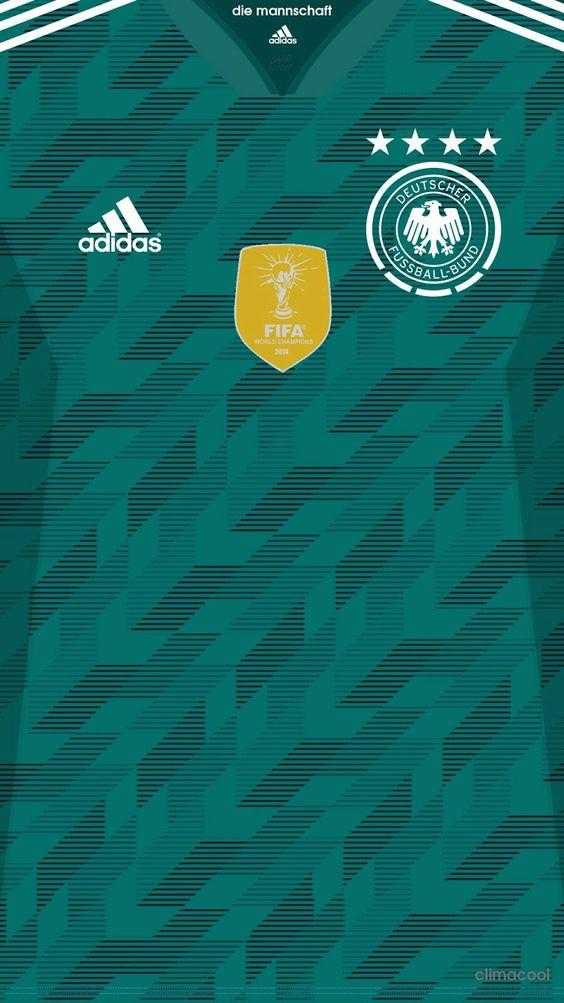 Camiseta Alternativa De La Seleccion De Alemania 2018 Con El Escudo Del Campeon Del Mundial De Brasil 2014.jpg Español: Camiseta Alternativa