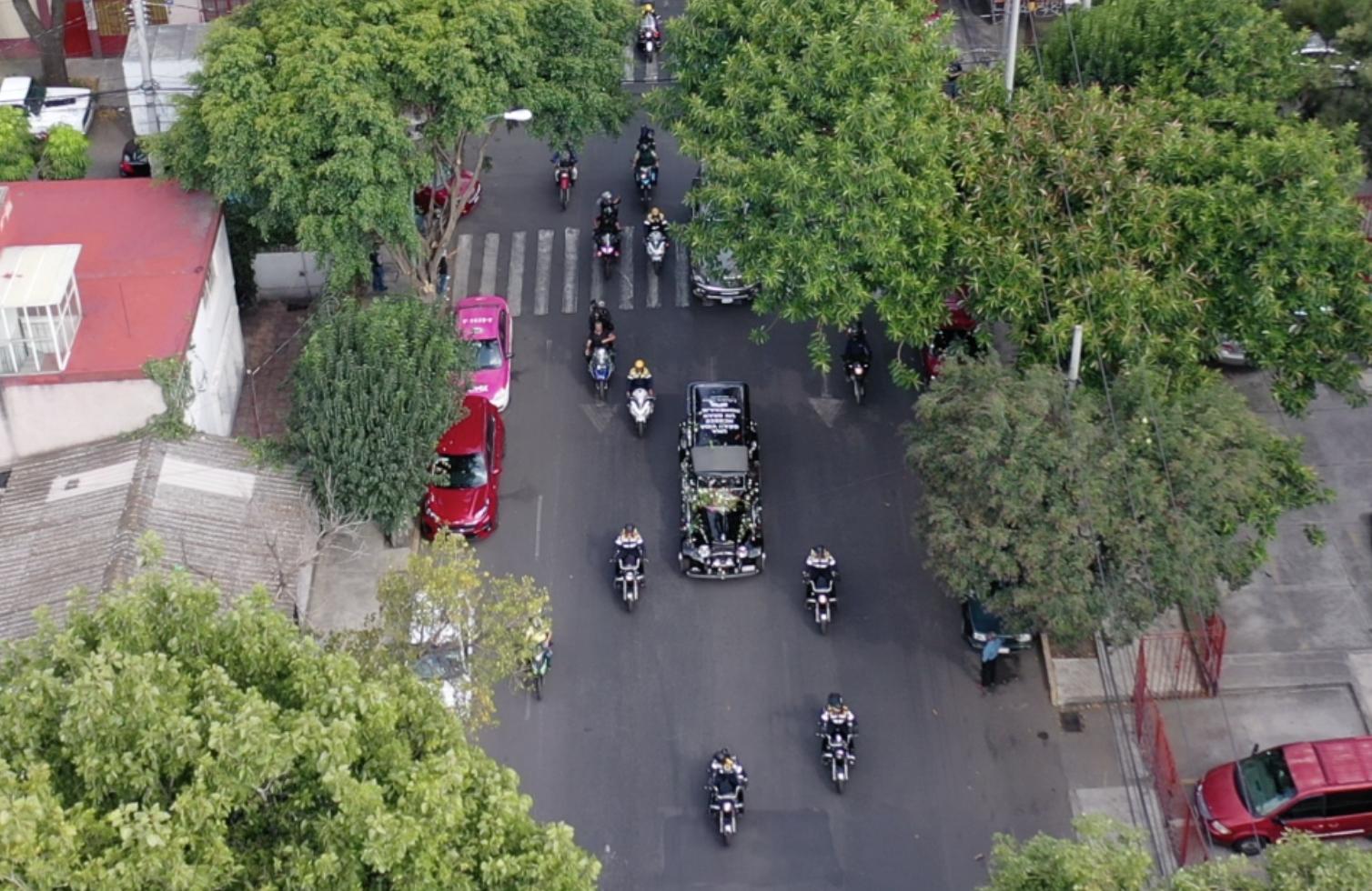 Caravana y carroza que transporto los restos repatriados del cantante en octubre de 2019.