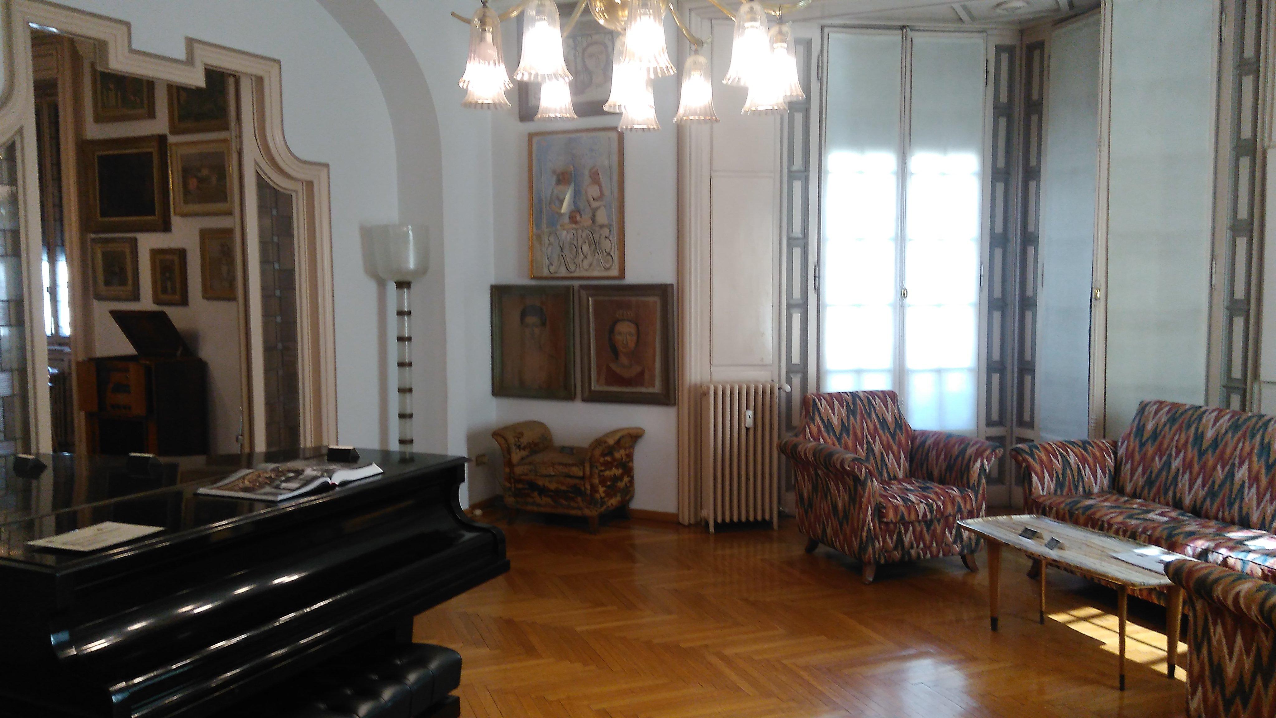 Casa Museo Boschi Di Stefano.File Casa Museo Boschi Di Stefano Aperti Per Voi Touring 01 Jpg
