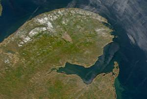 arm of the Gulf of Saint Lawrence located between Quebec and New Brunswick, Canada
