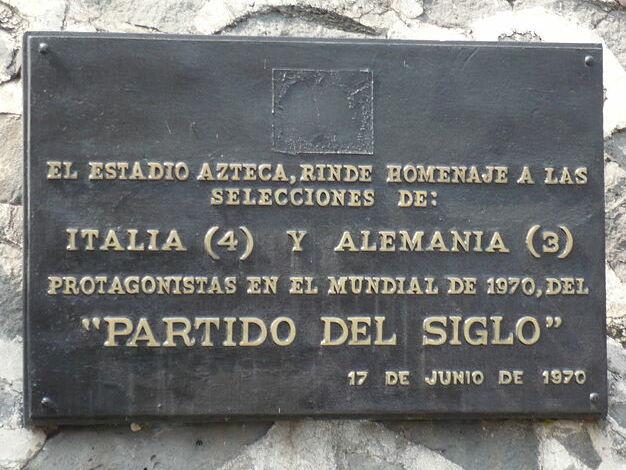 http://upload.wikimedia.org/wikipedia/commons/1/16/Commemorative_plaque_Aztec_Stadium.jpg