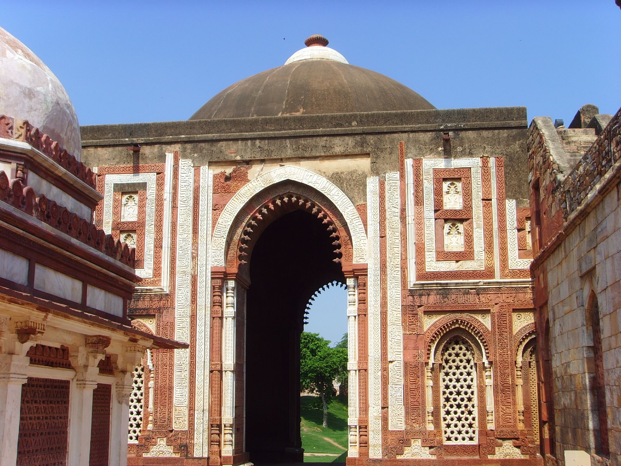 Amazing Mughal Monuments In Delhi Nativeplanet