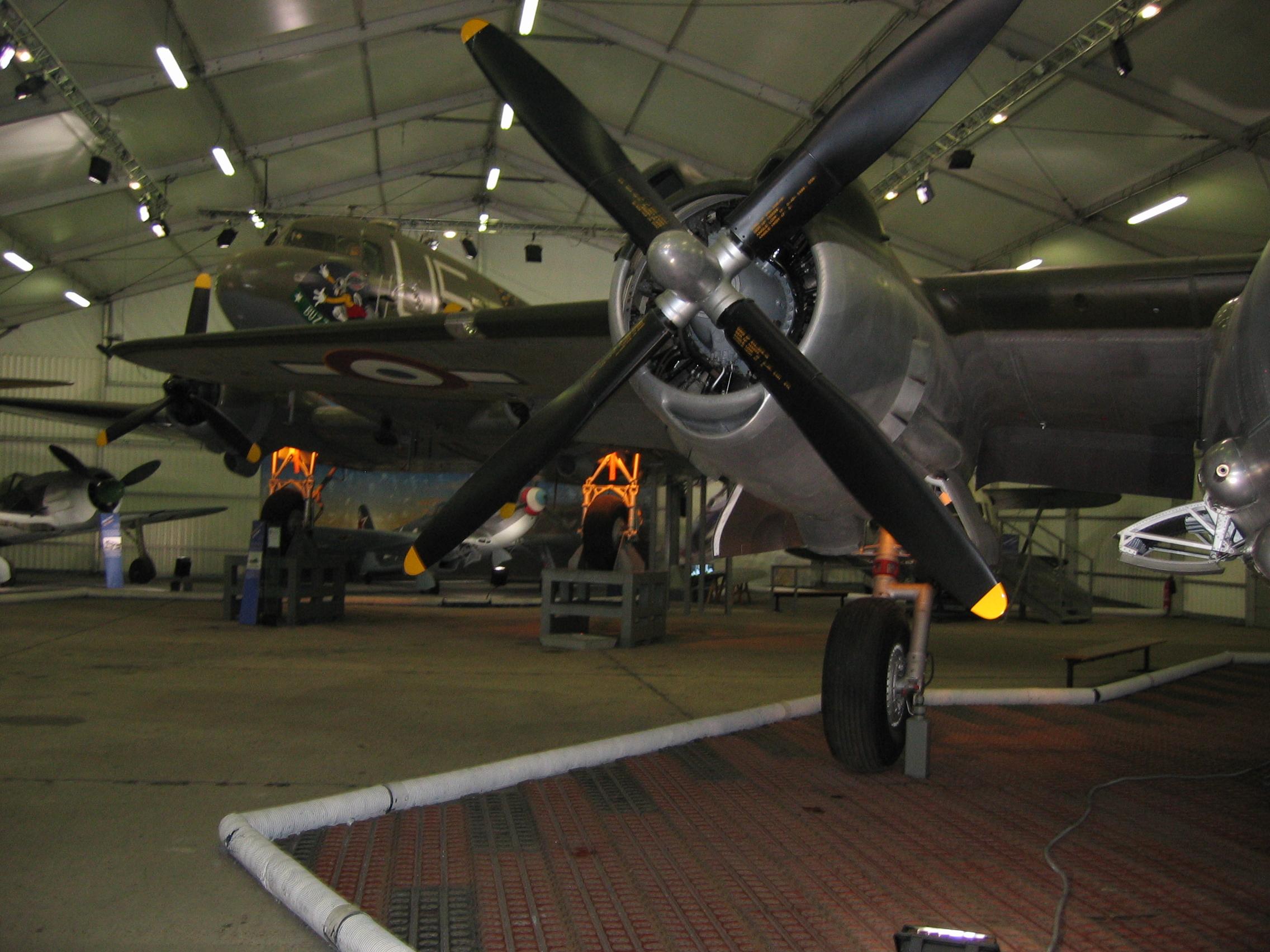 File displays at the musee de l 39 air et de l 39 espace le for Bourget paris