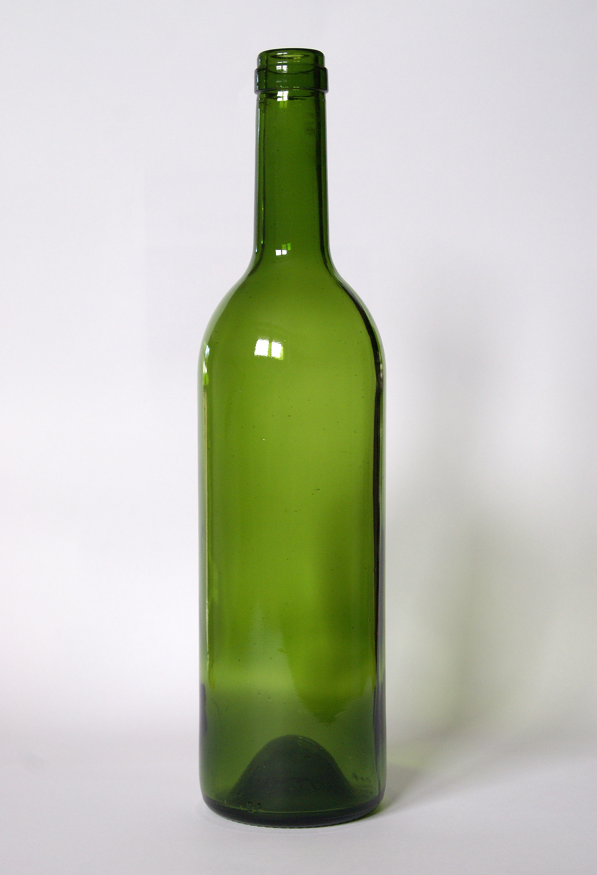http://upload.wikimedia.org/wikipedia/commons/1/16/Empty_Wine_bottle.jpg