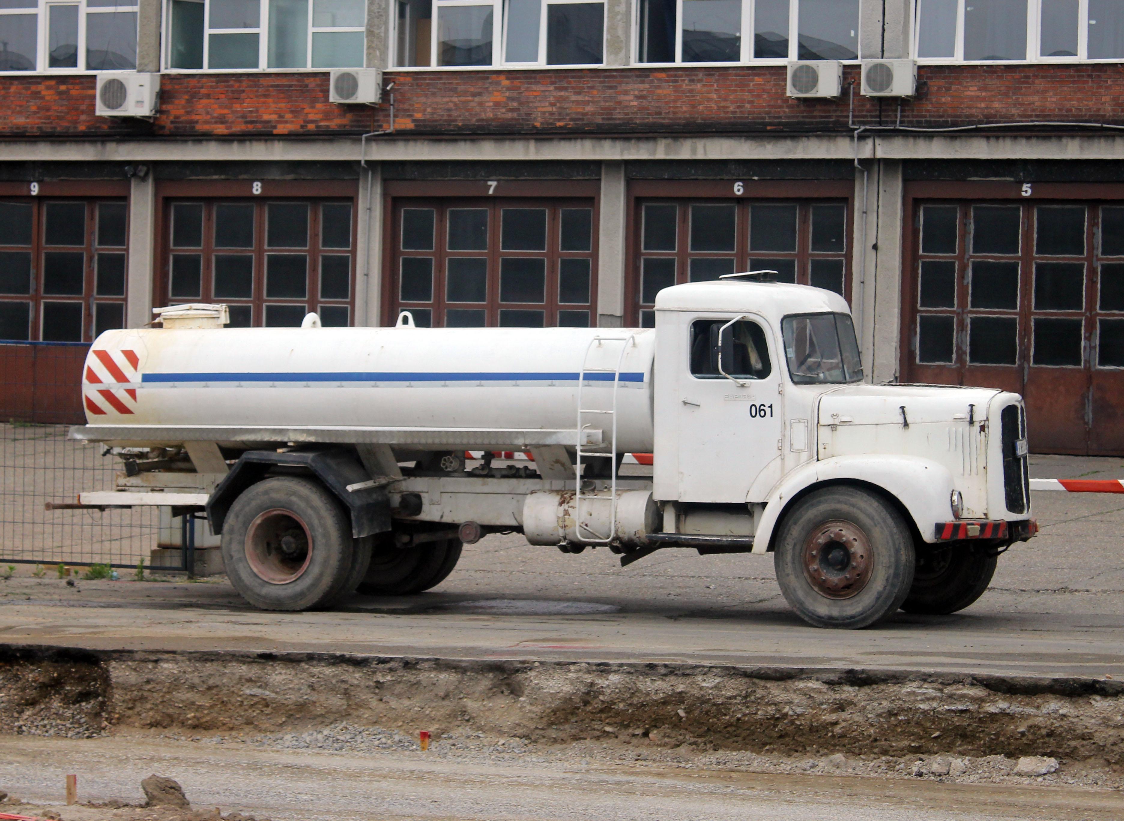 File:FAP 1314 cisterna1.jpg