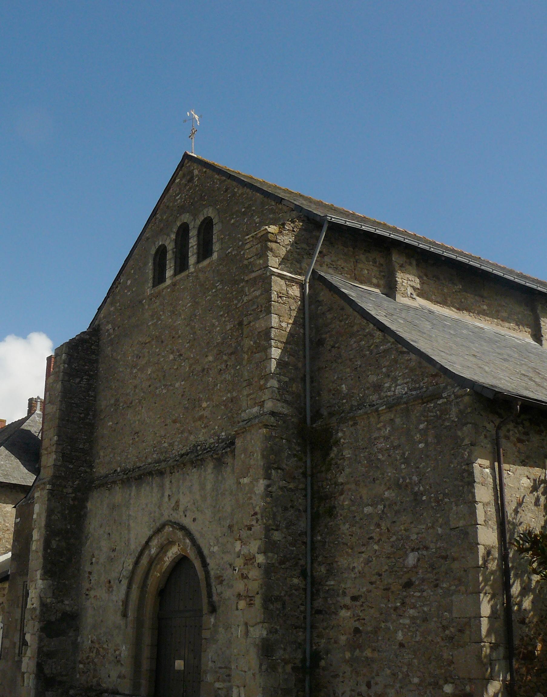 File facade abbatiale st philbert de grand for Piscine saint philbert de grand lieu