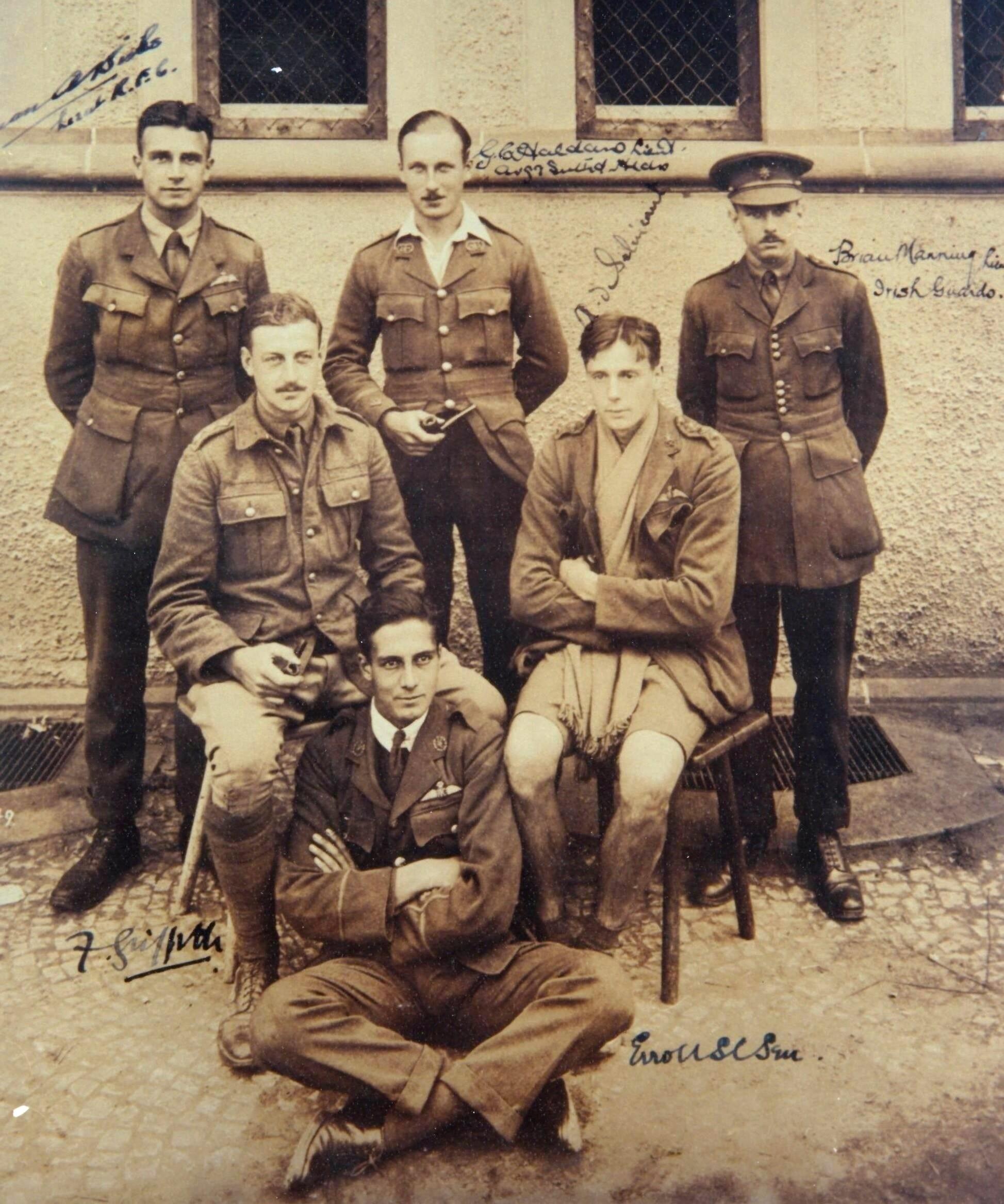 De Sélincourt (seated, right) in [[Holzminden prisoner-of-war camp