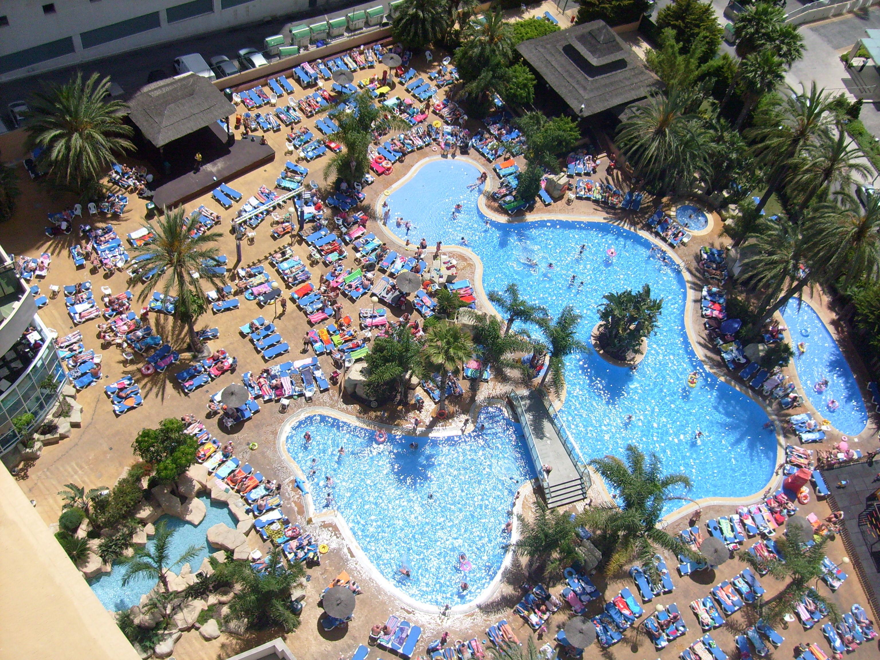 File Hotel Flamingo Oasis Pool View Jpg Wikimedia Commons