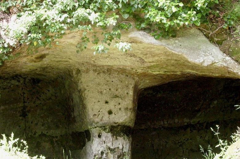 Insediamento rupestre di Vitozza (GR)4
