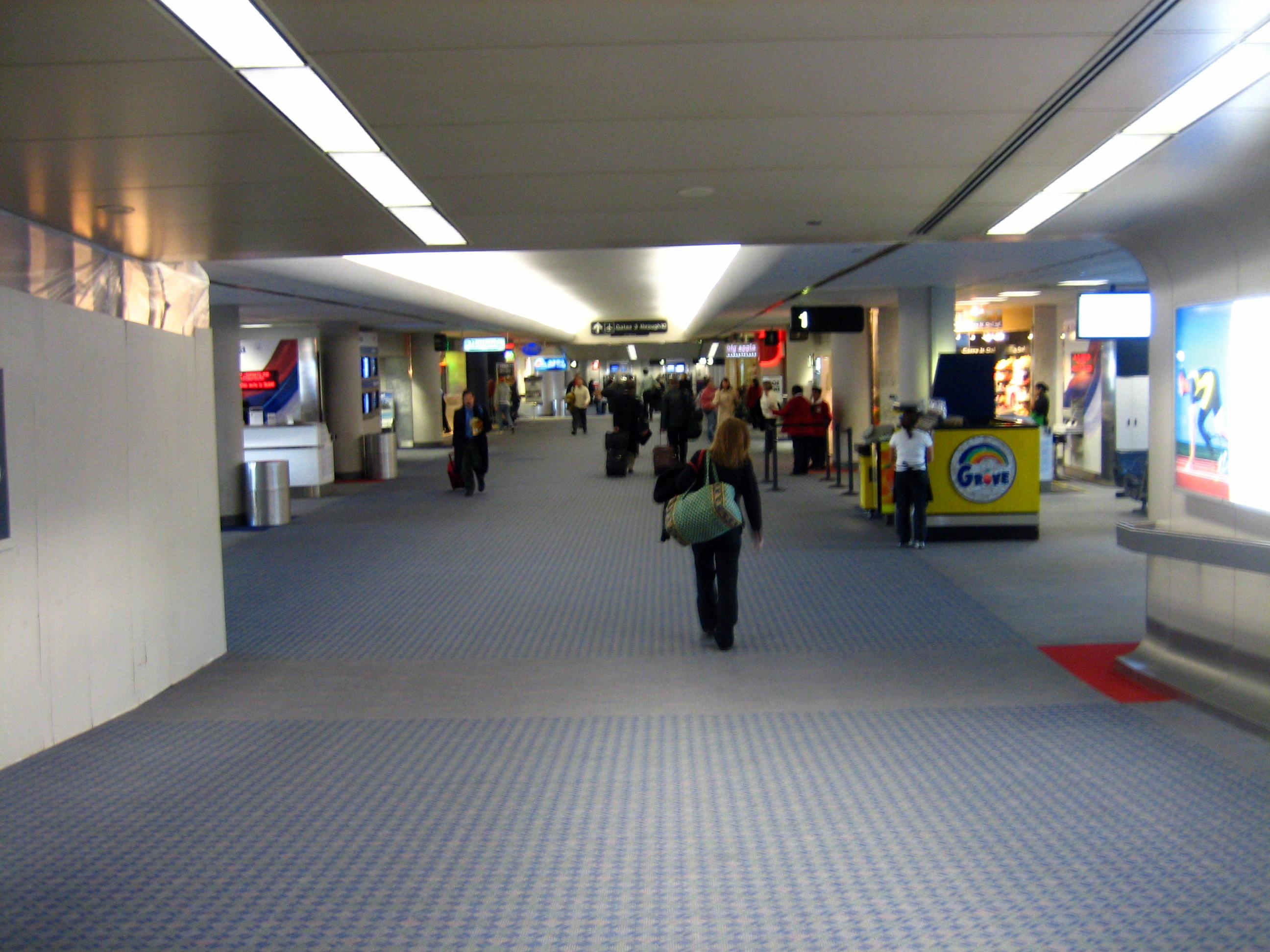 File inside terminal at laguardia airport for Pictures inside