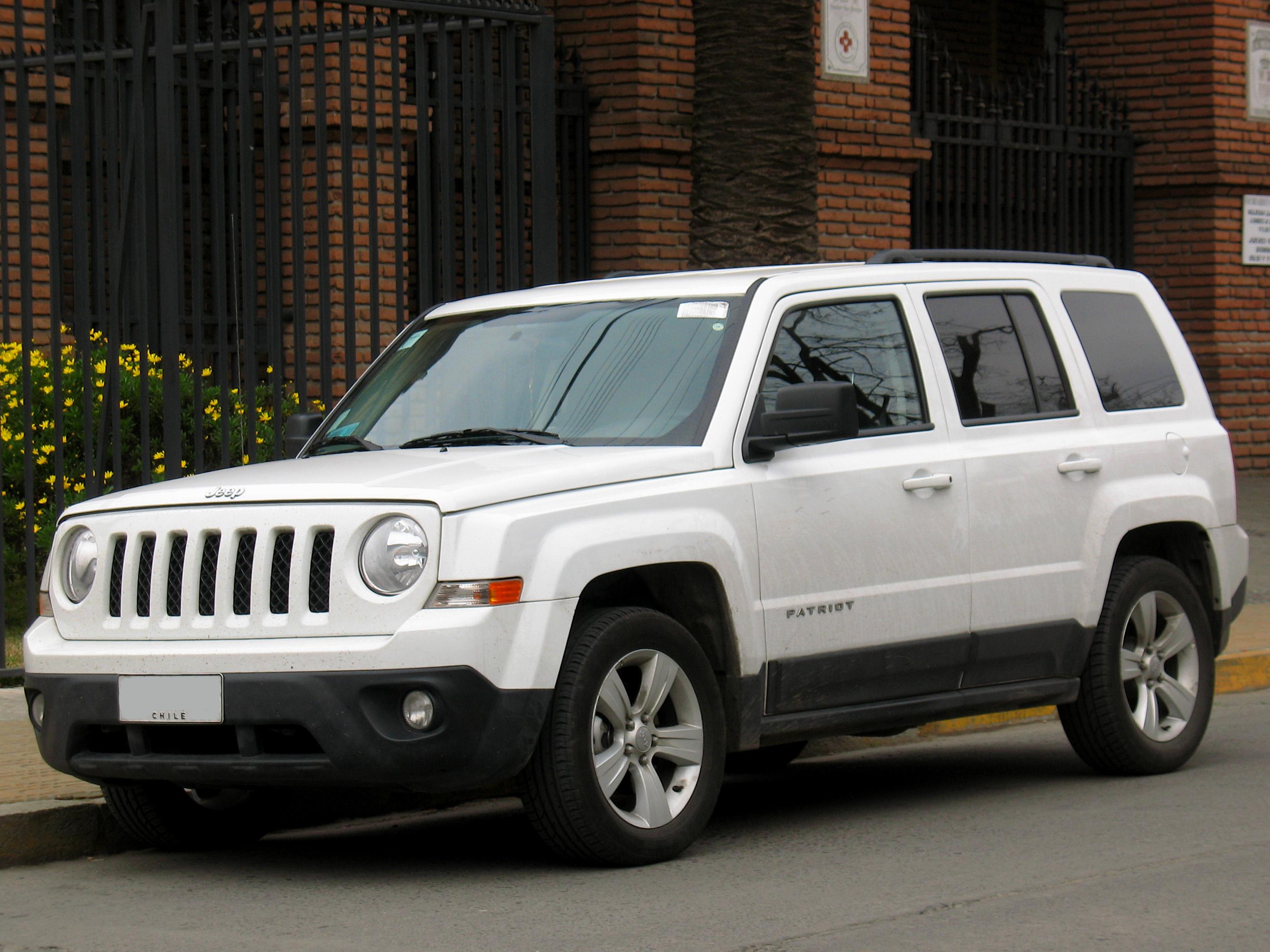 File:Jeep Patriot 2.4 Sport 2014 (15246134917)