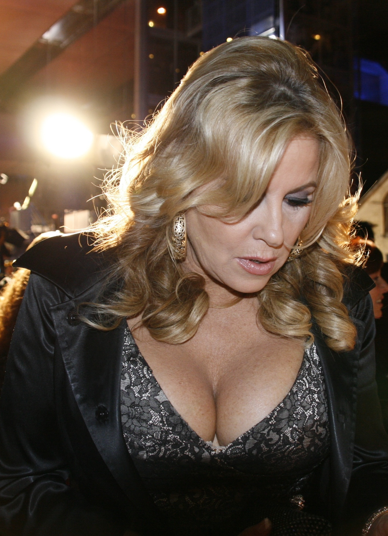 The 56-year old daughter of father (?) and mother(?) Jennifer Coolidge in 2018 photo. Jennifer Coolidge earned a  million dollar salary - leaving the net worth at 10 million in 2018