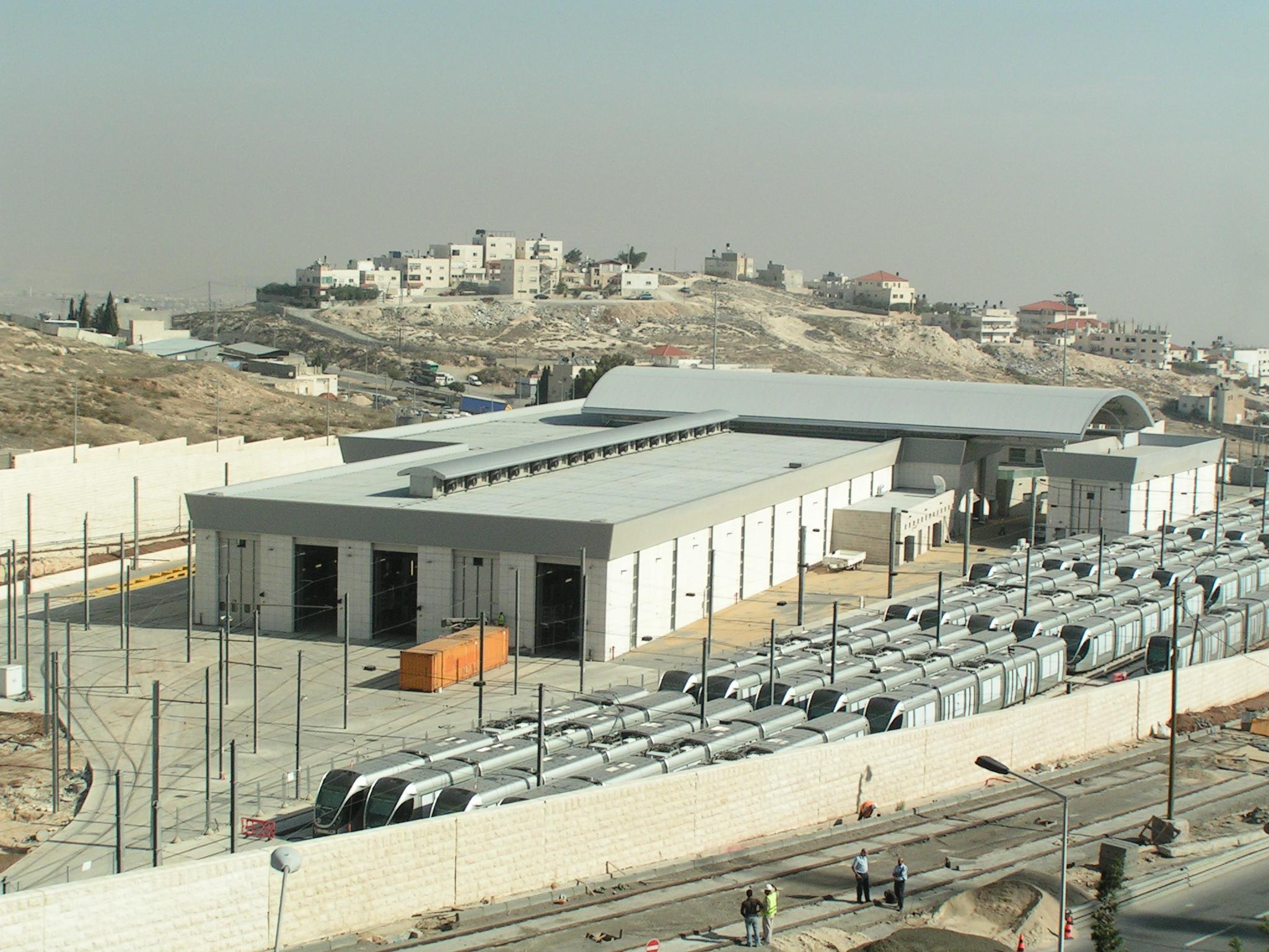 Jerusalem_Light_Rail_French_Hill_depot_003.JPG
