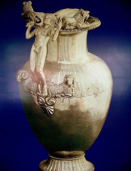 Dosya:Jug from Lydian Treasure Usak.jpg