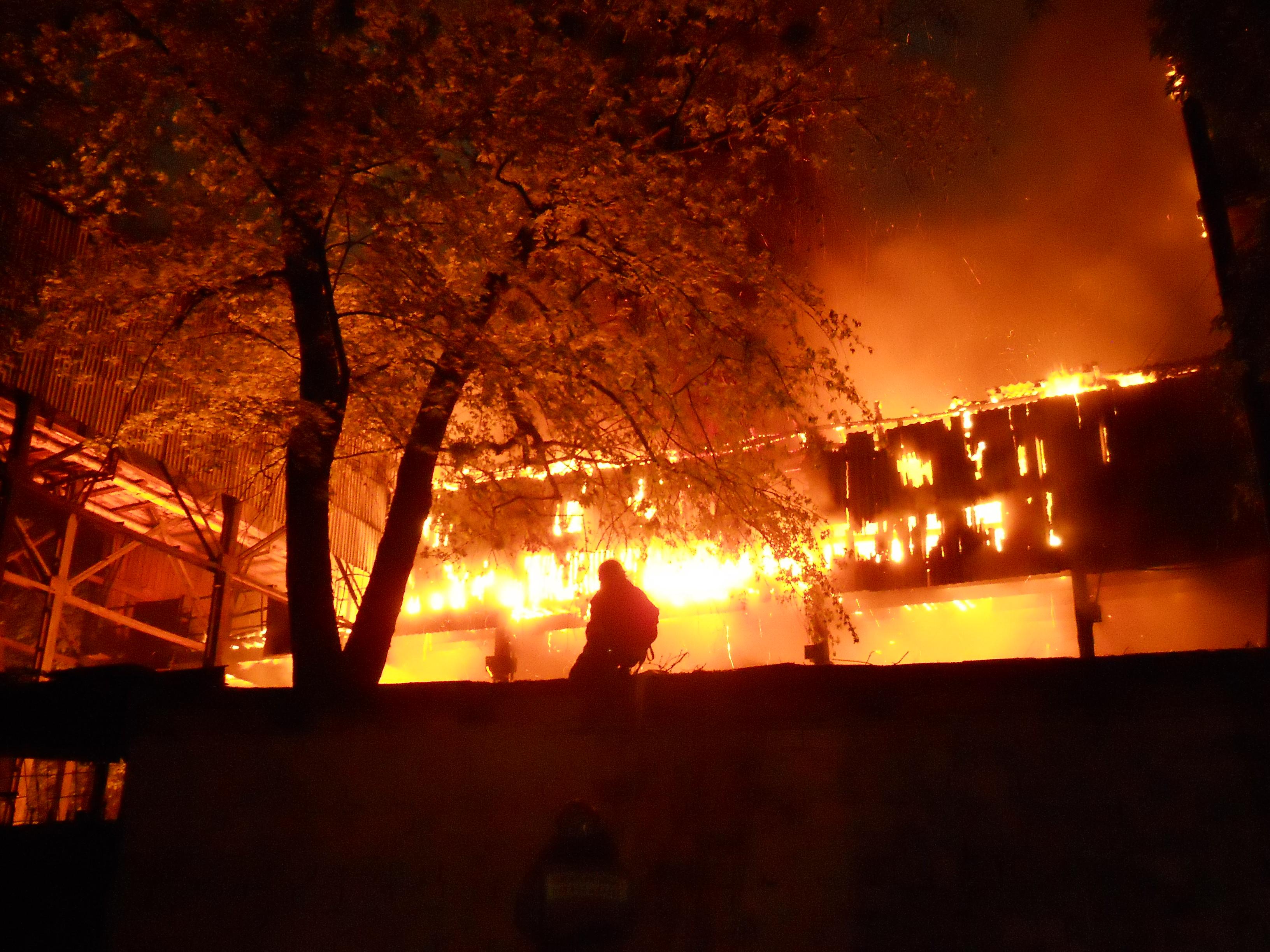 File Kiev Ukraine 559 Building Fire 3 Jpg Wikimedia Commons