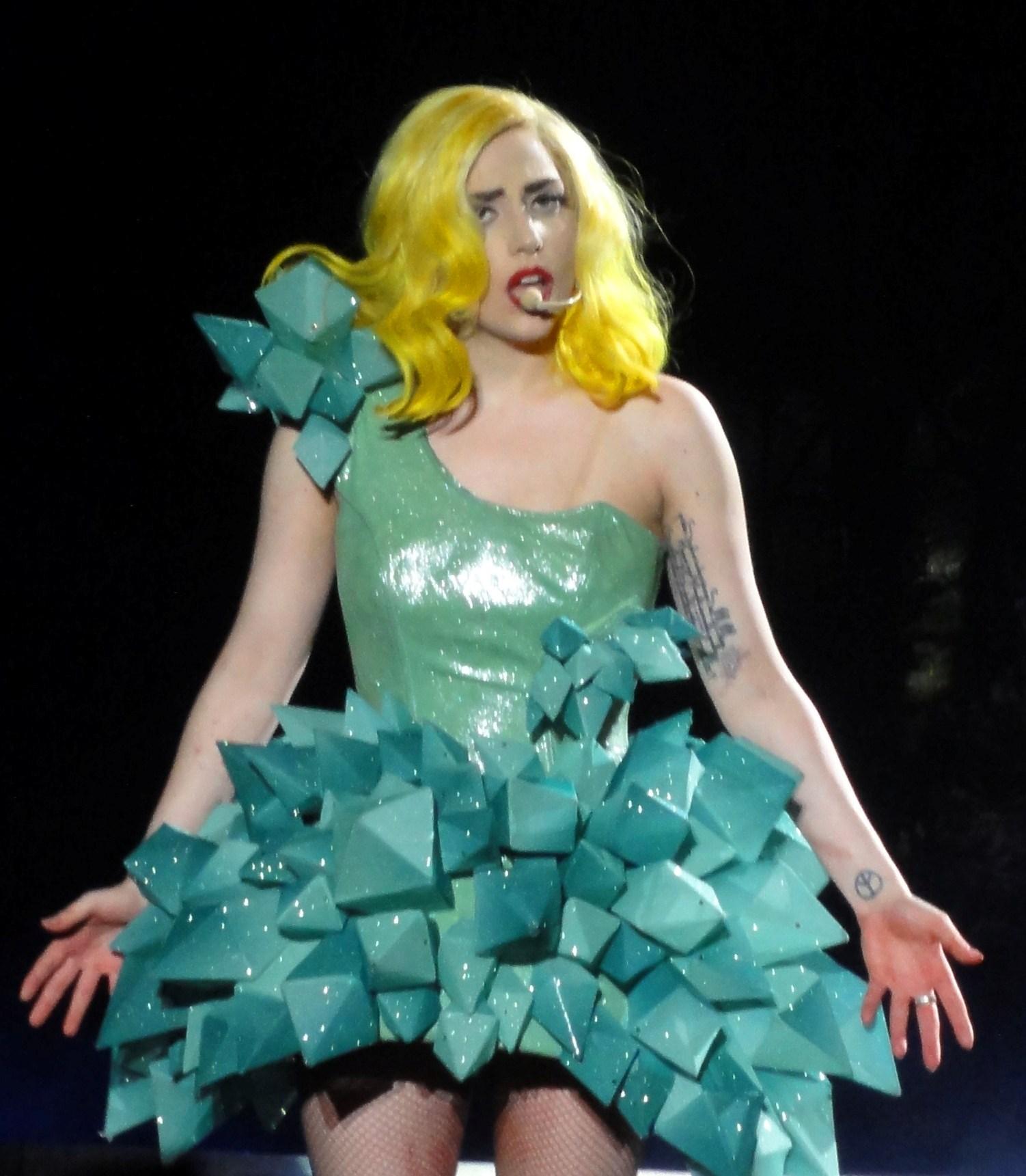 Lady_Gaga_Paparazzi.jpg