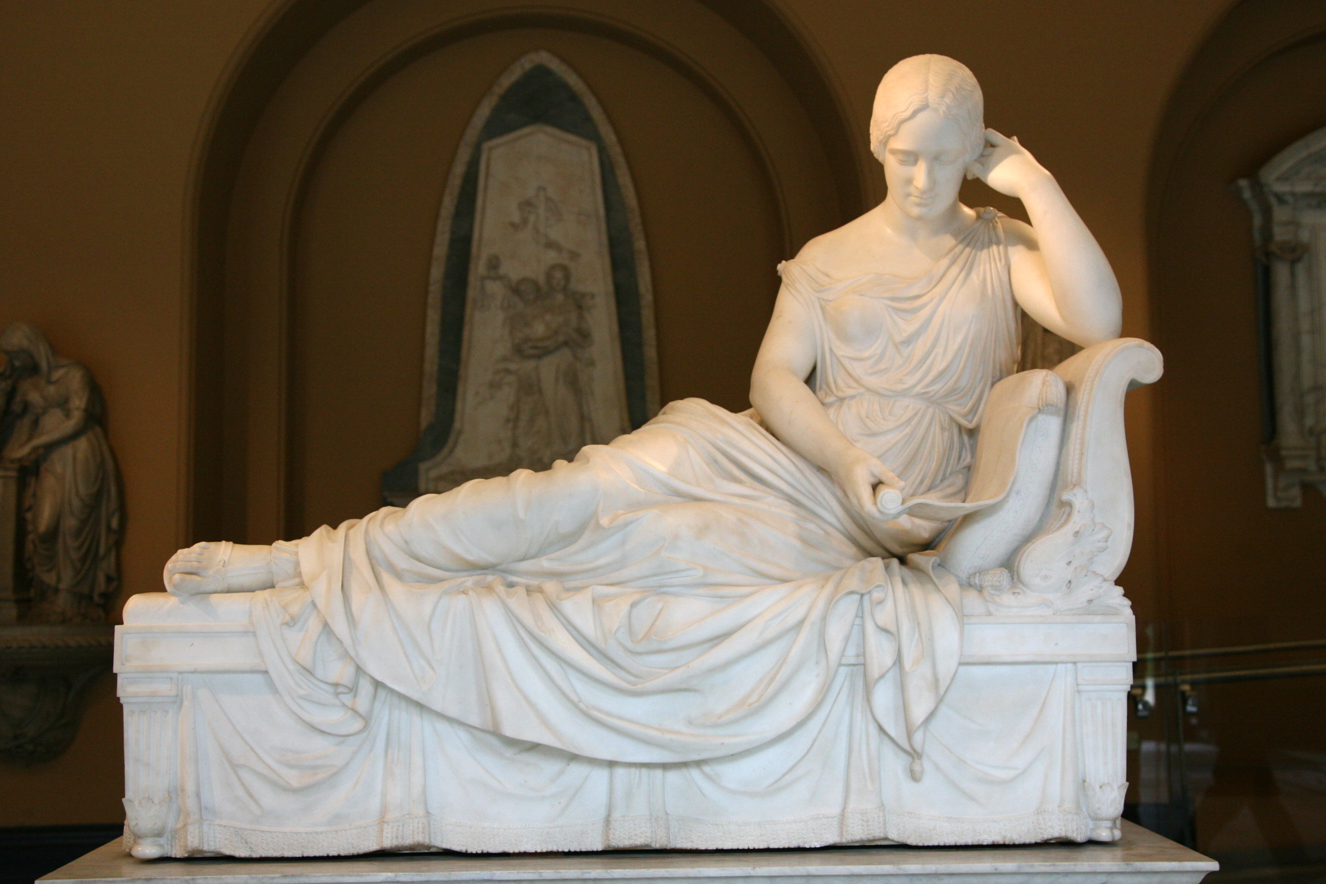 http://upload.wikimedia.org/wikipedia/commons/1/16/London-Victoria_and_Albert_Museum-Sculpture-02.jpg