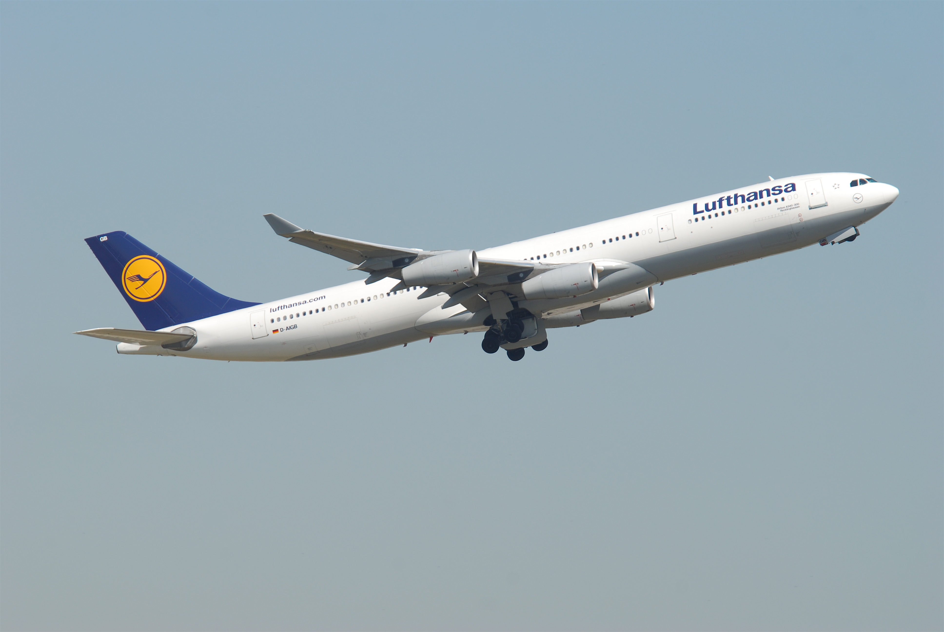 file lufthansa airbus a340 300 d aigb fra 581ee 4781694118 jpg wikipedia. Black Bedroom Furniture Sets. Home Design Ideas