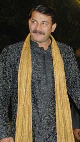 English: Indian actor Manoj Tiwari at the musi...