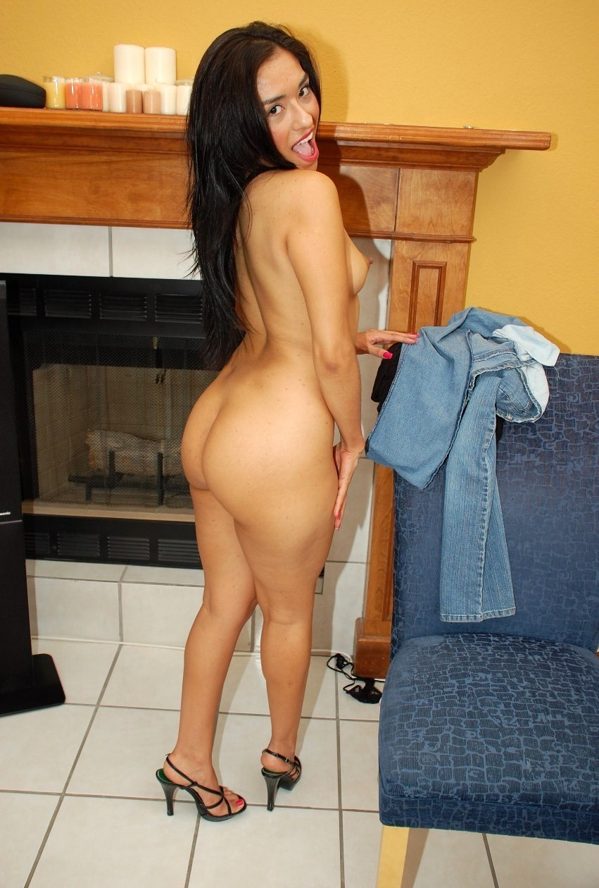 Sexy skinny latina chicks naked — photo 13