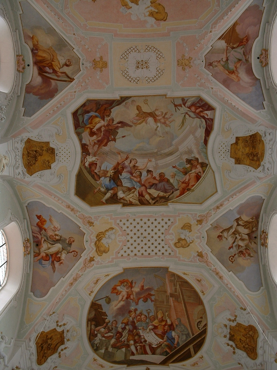 https://upload.wikimedia.org/wikipedia/commons/1/16/Ochsenhausen_Abbey_church_interior_02.JPG