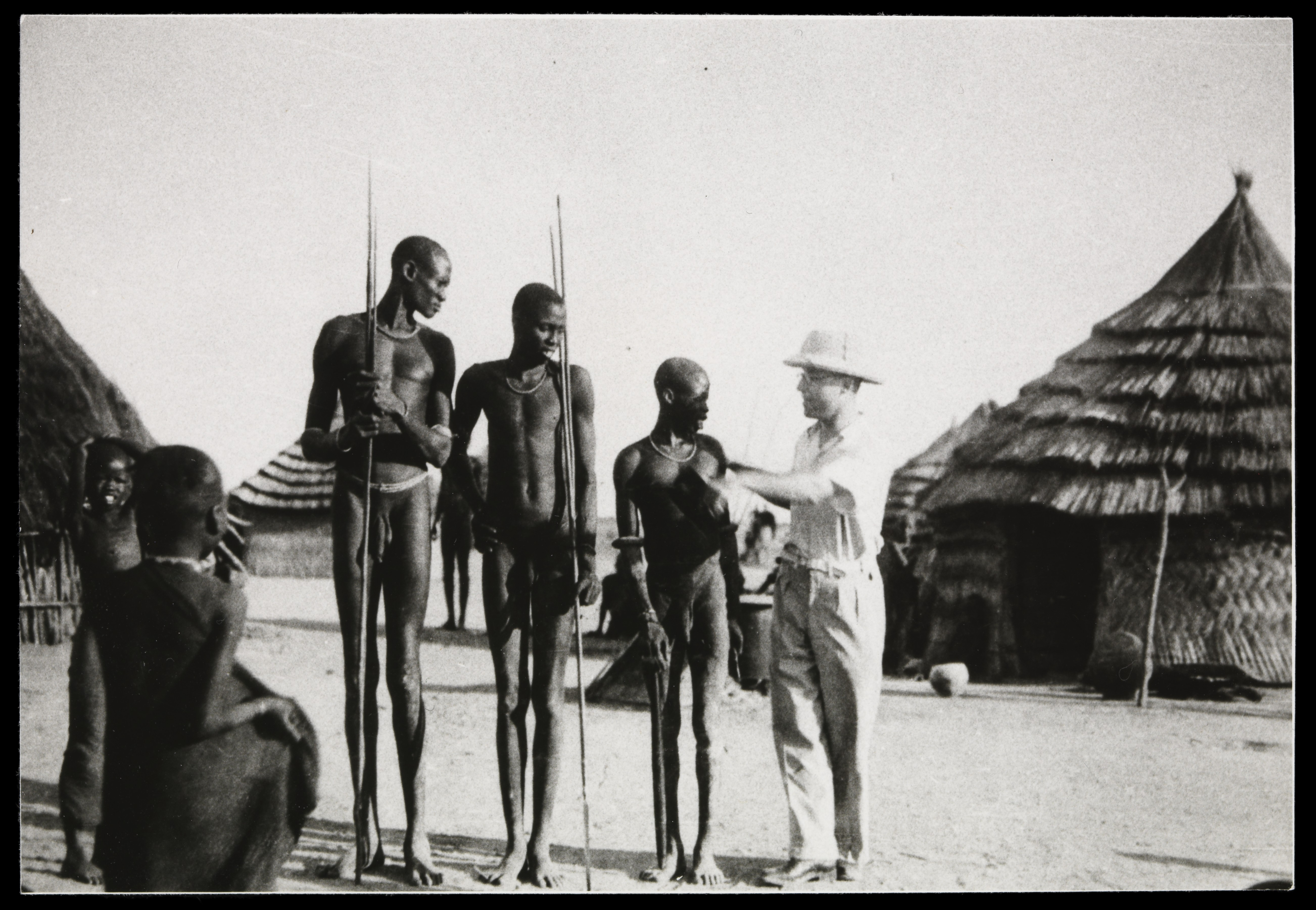 43 Henry Filephotograph Of Henry Foy With Kenyan People Wellcome L0069012