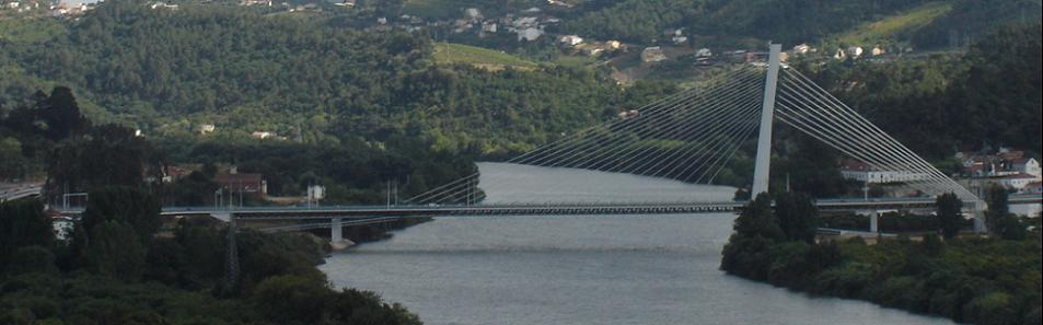 Neue Brücke über den Mondego