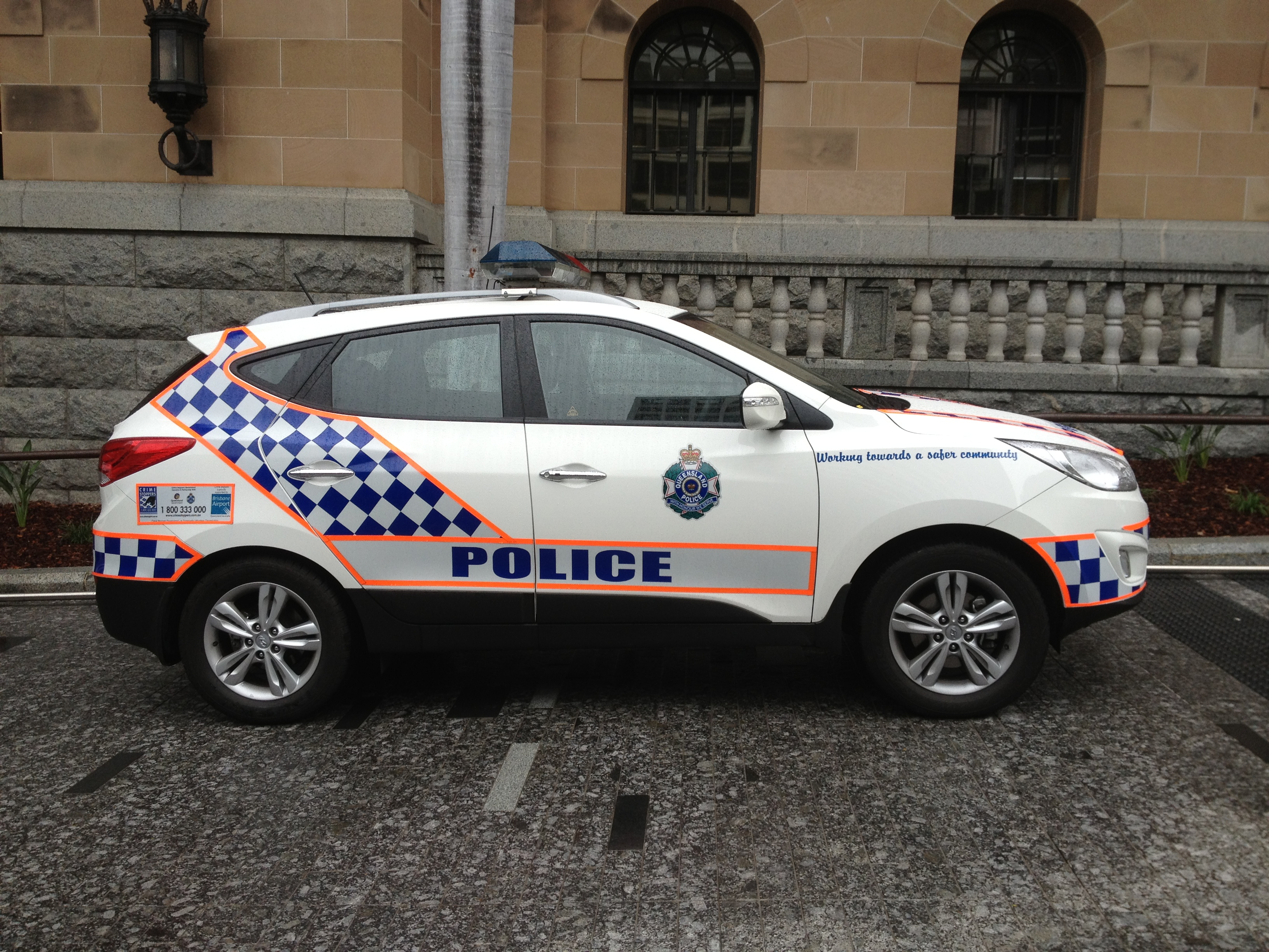 File Queensland Police Vehicles 02 Jpg Wikimedia Commons