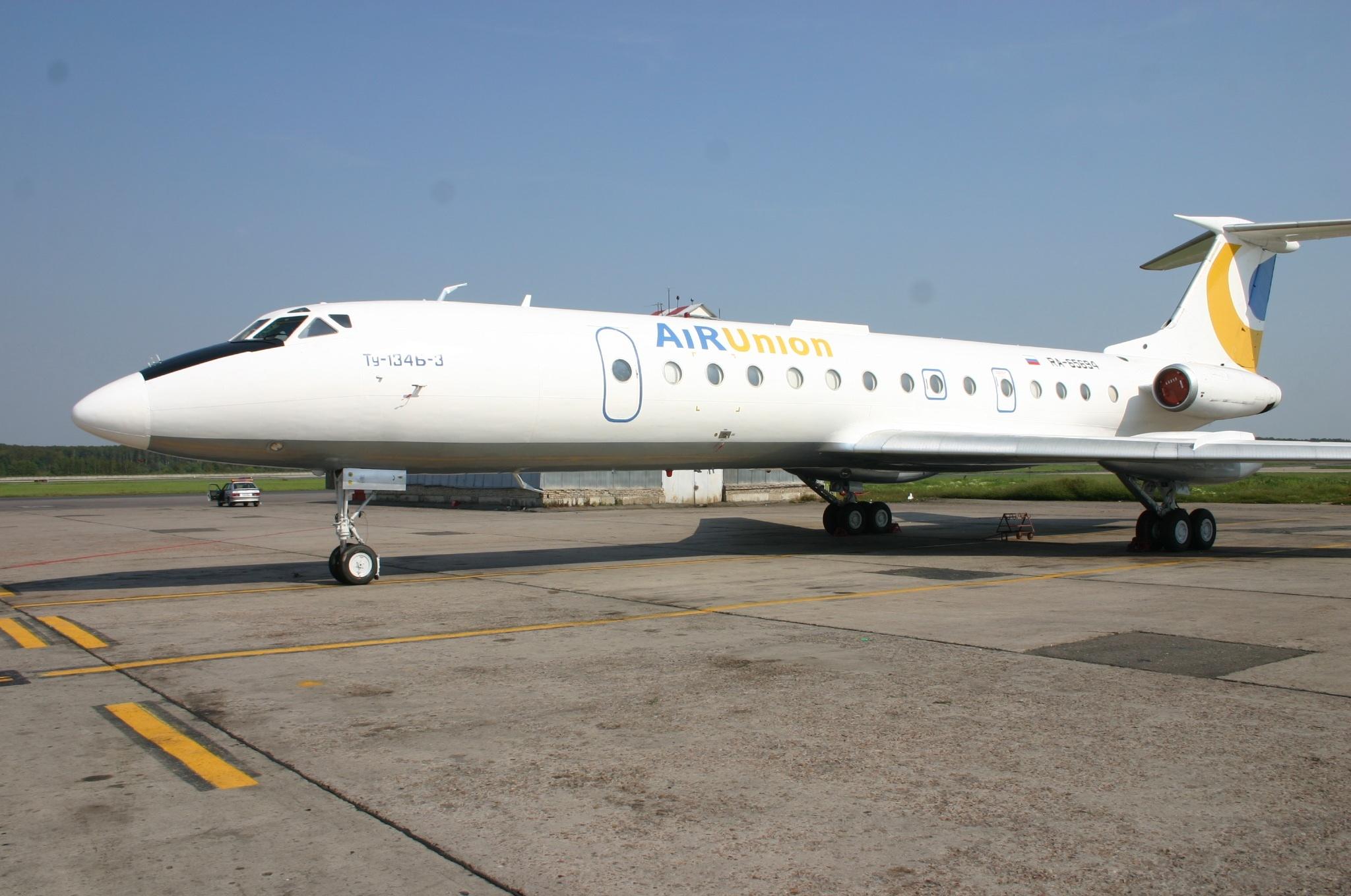 RA-65694_Tupolev_Tu.134_Air_Union_(73959