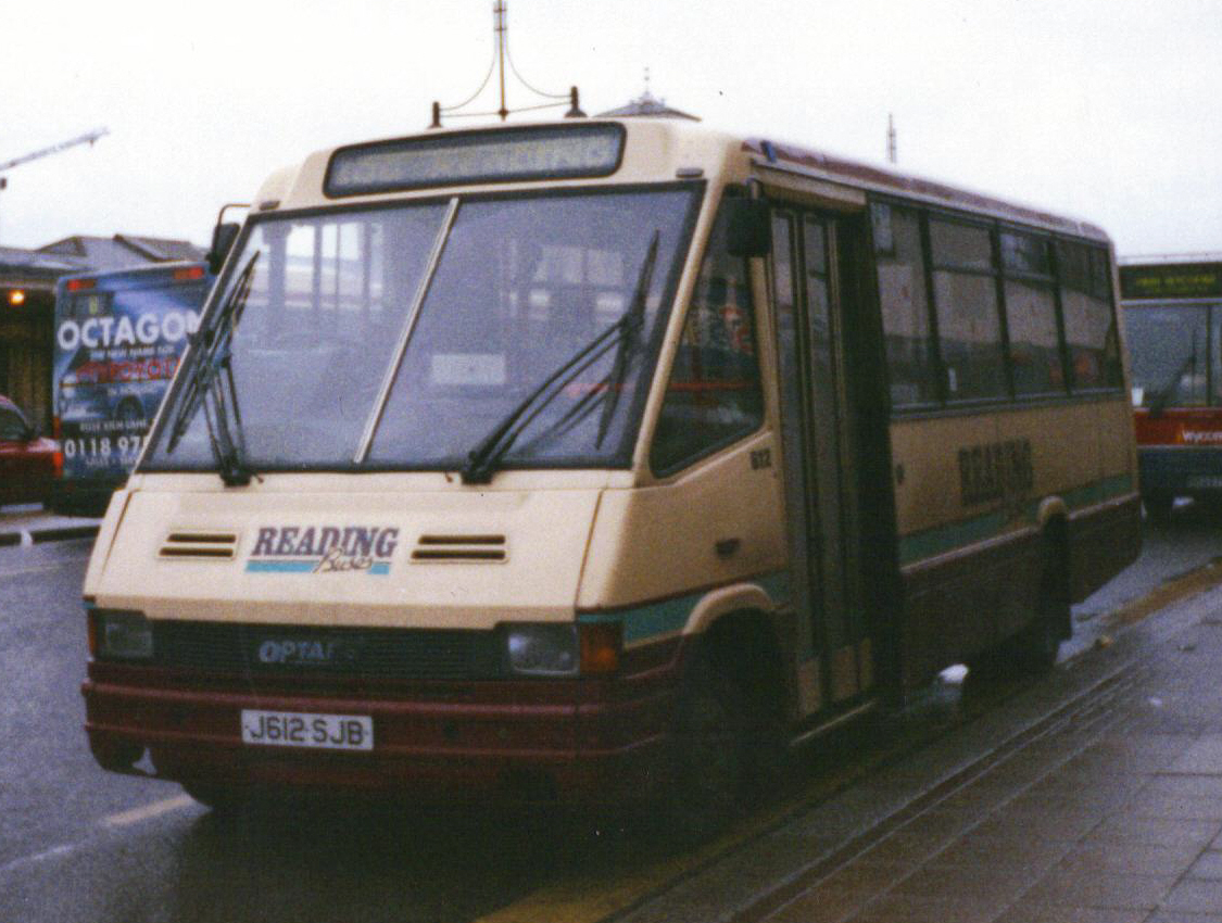 file:reading buses bus 612 optare metrorider j612 sjb, 2000