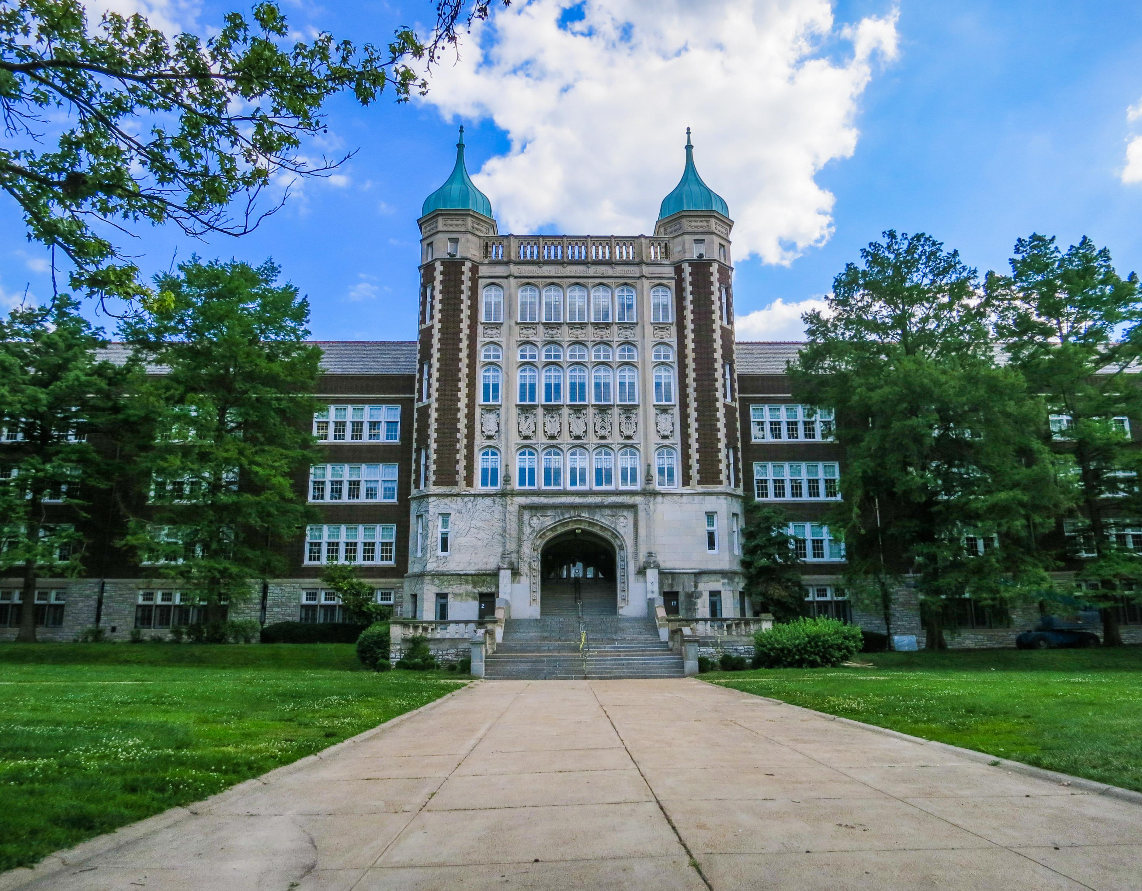 3780a55bb58 Roosevelt High School (St. Louis) - Wikipedia