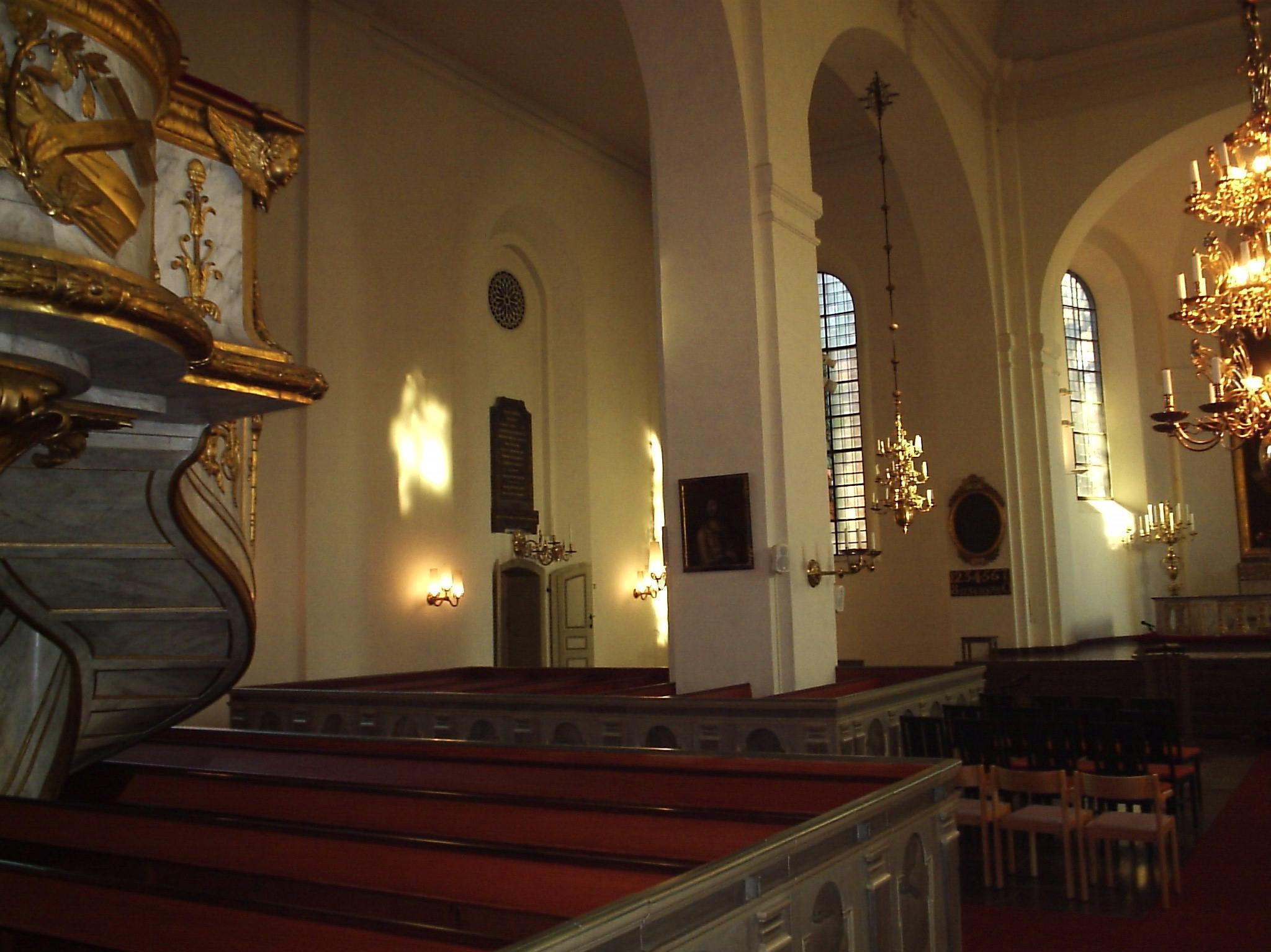 Gravar och kulturlager vid S:t Olai kyrka | Norrkpings historia