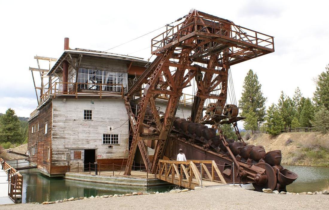 Historic Gold Dredges : File sumpter valley gold dredge no bucket array g