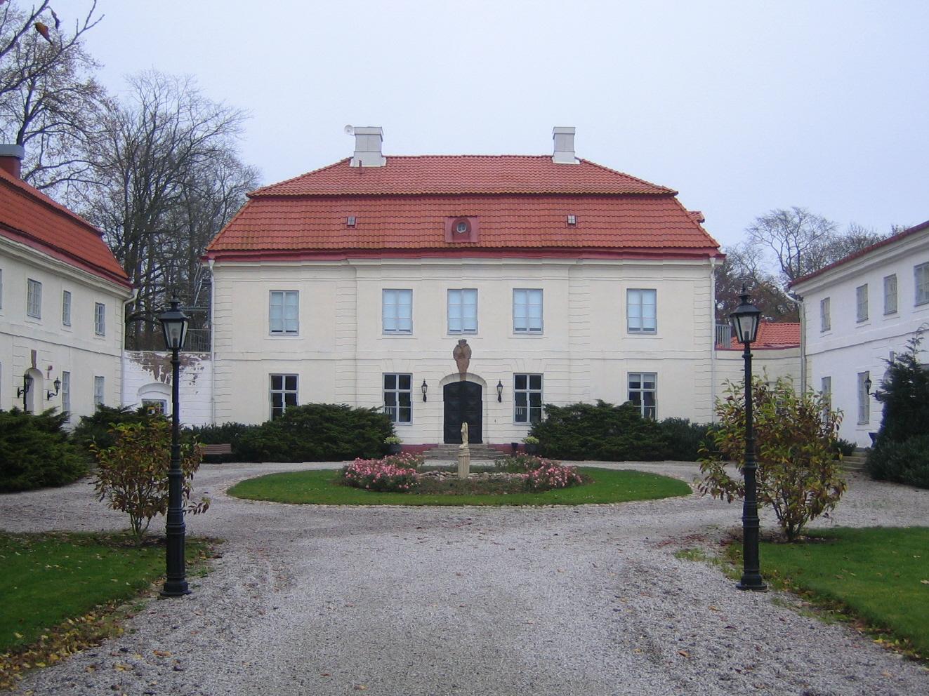 Swedish castle Bjärsjölagård.jpg