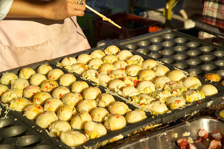 Image result for tempat menggoreng takoyaki japan
