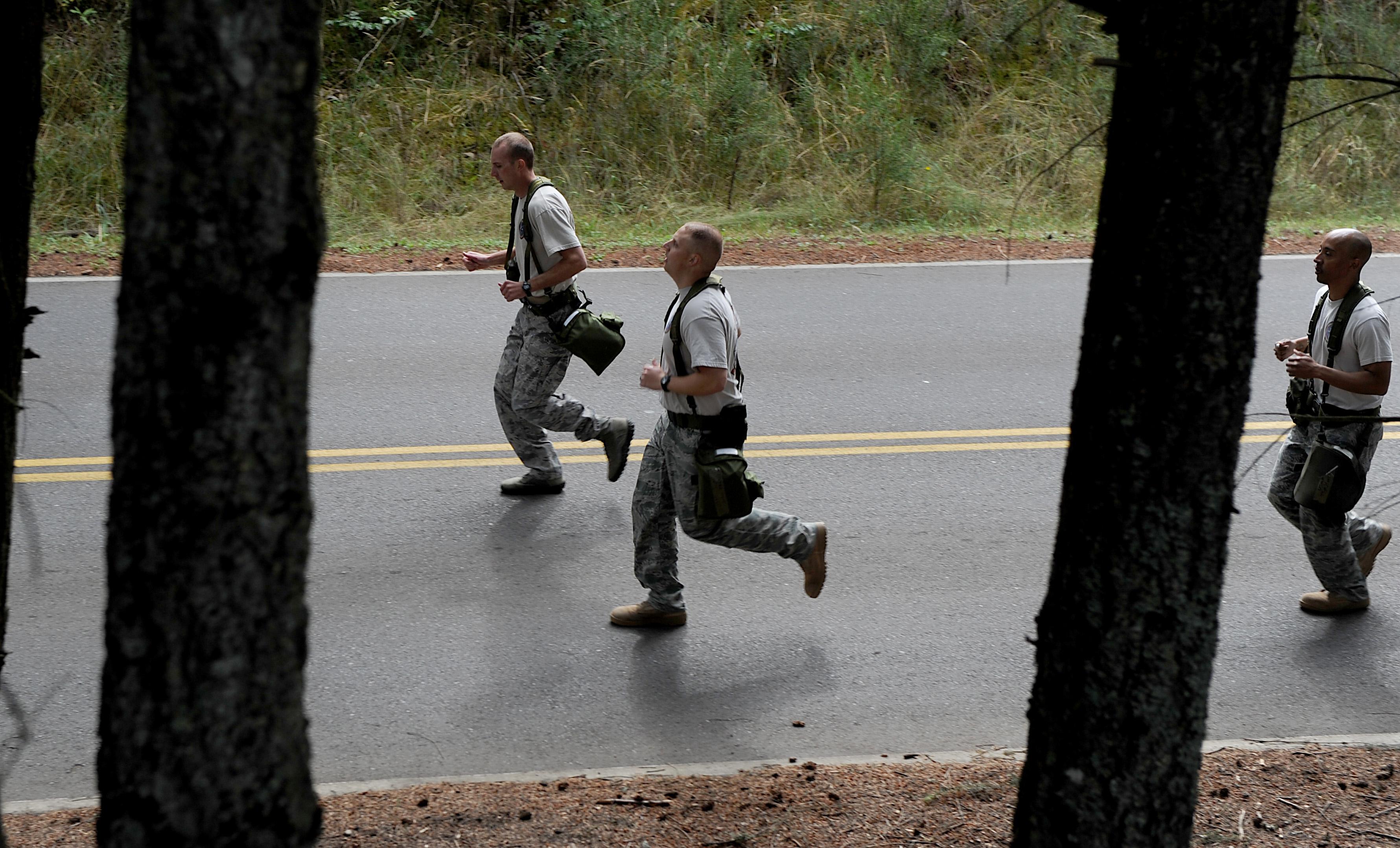 File:U S  Air Force Staff Sgt  Justin Ellrich, Tech  Sgt  Kurt Wells