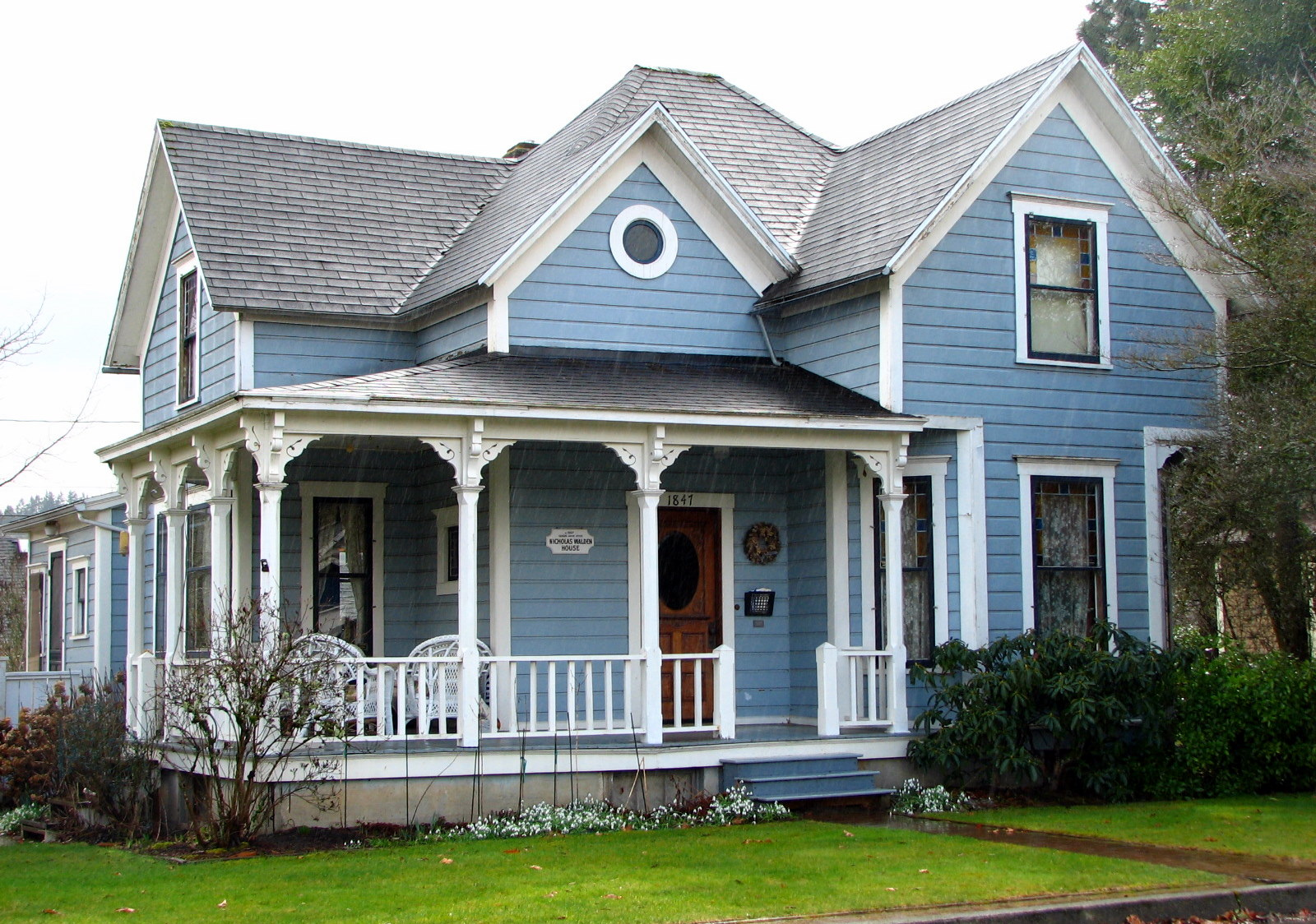 File walden house west linn for Medium houses