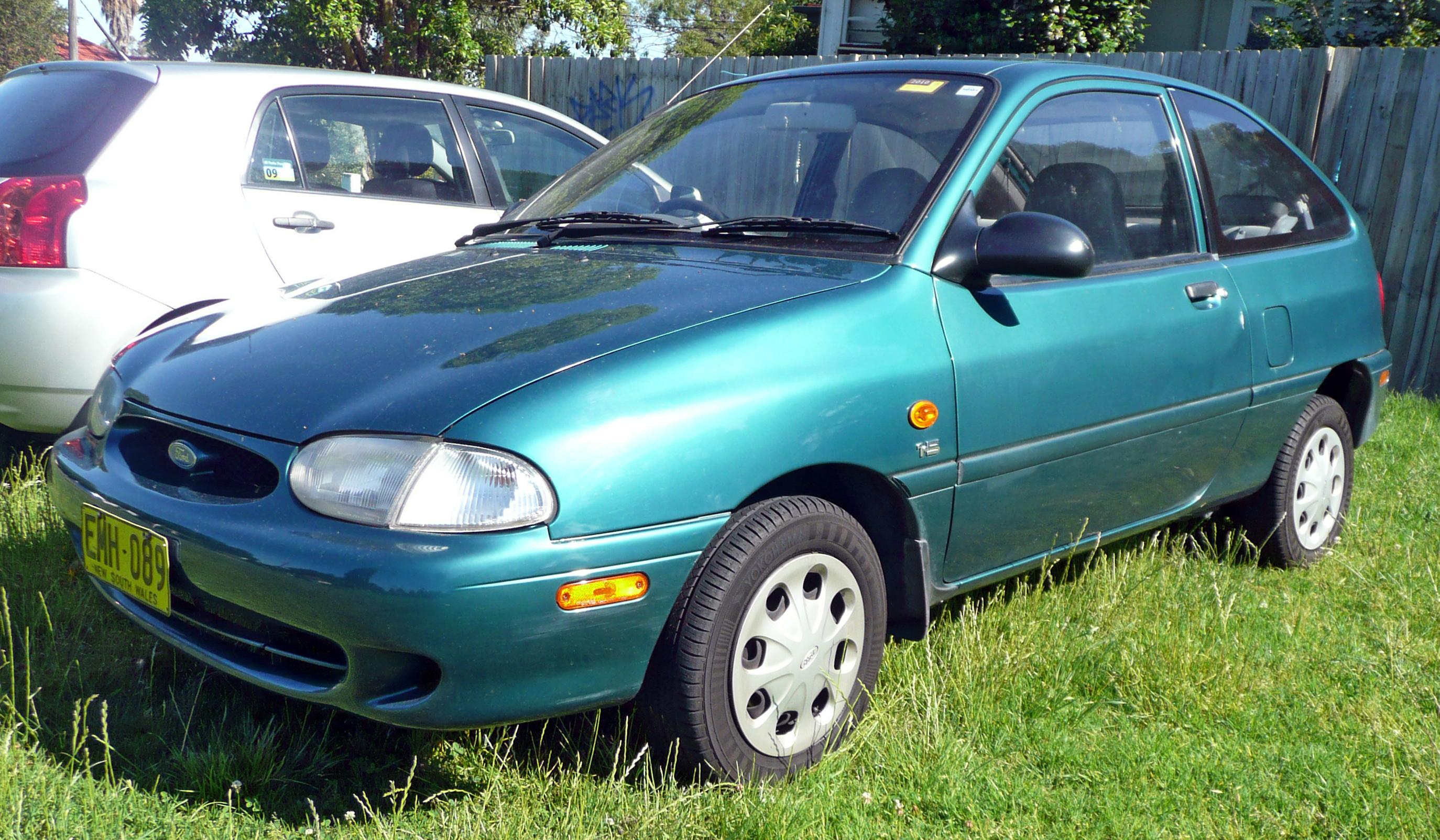 File1997 Ford Festiva WD Trio S 3 Door Hatchback 2009