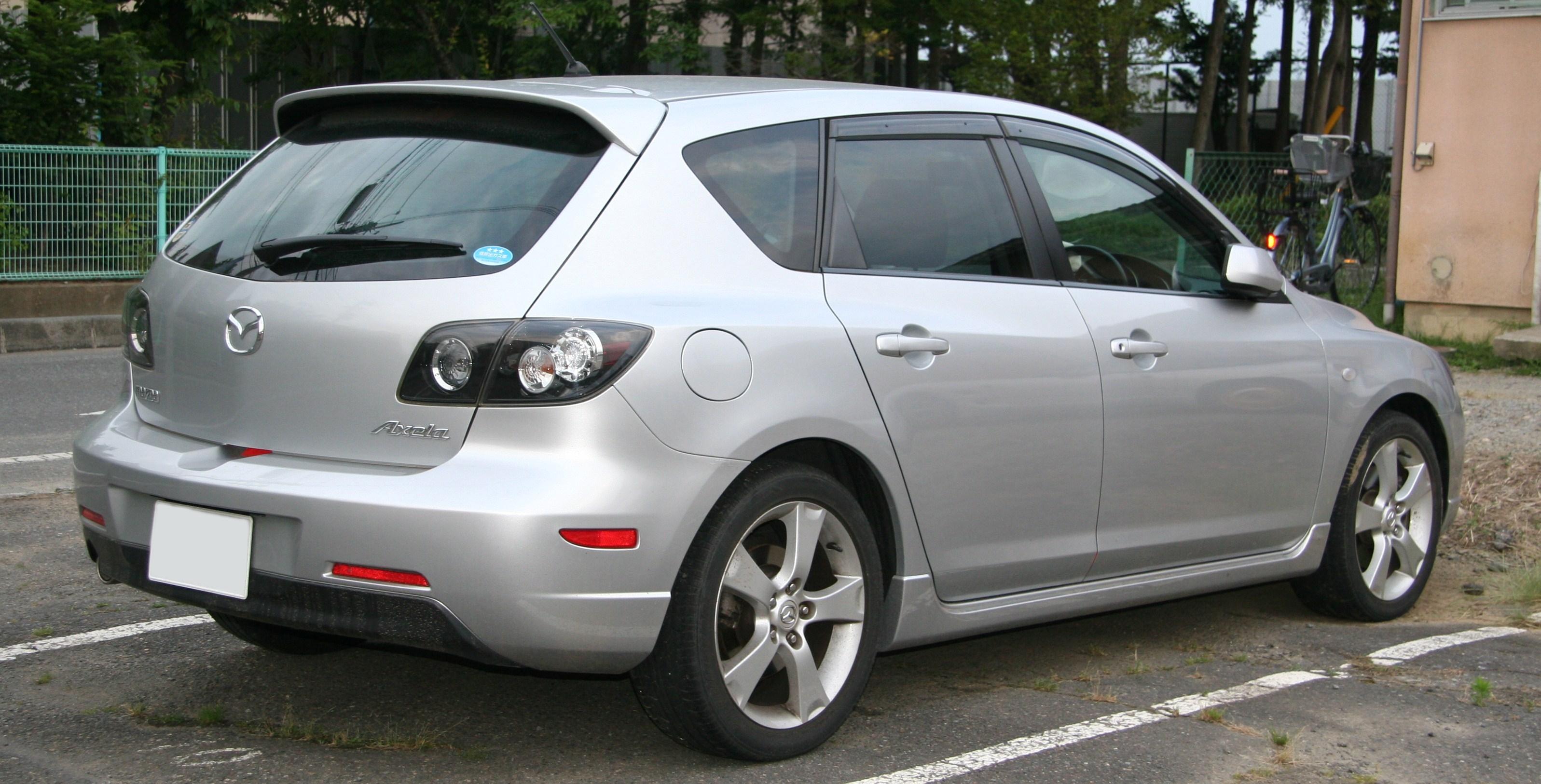 Kelebihan Mazda 326 Review