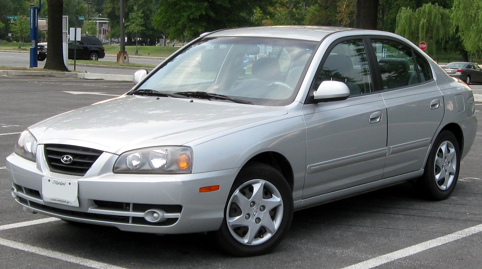 File:2004-2006 Hyundai Elantra GLS sedan -- 09-22-2010.jpg - Wikimedia Commons