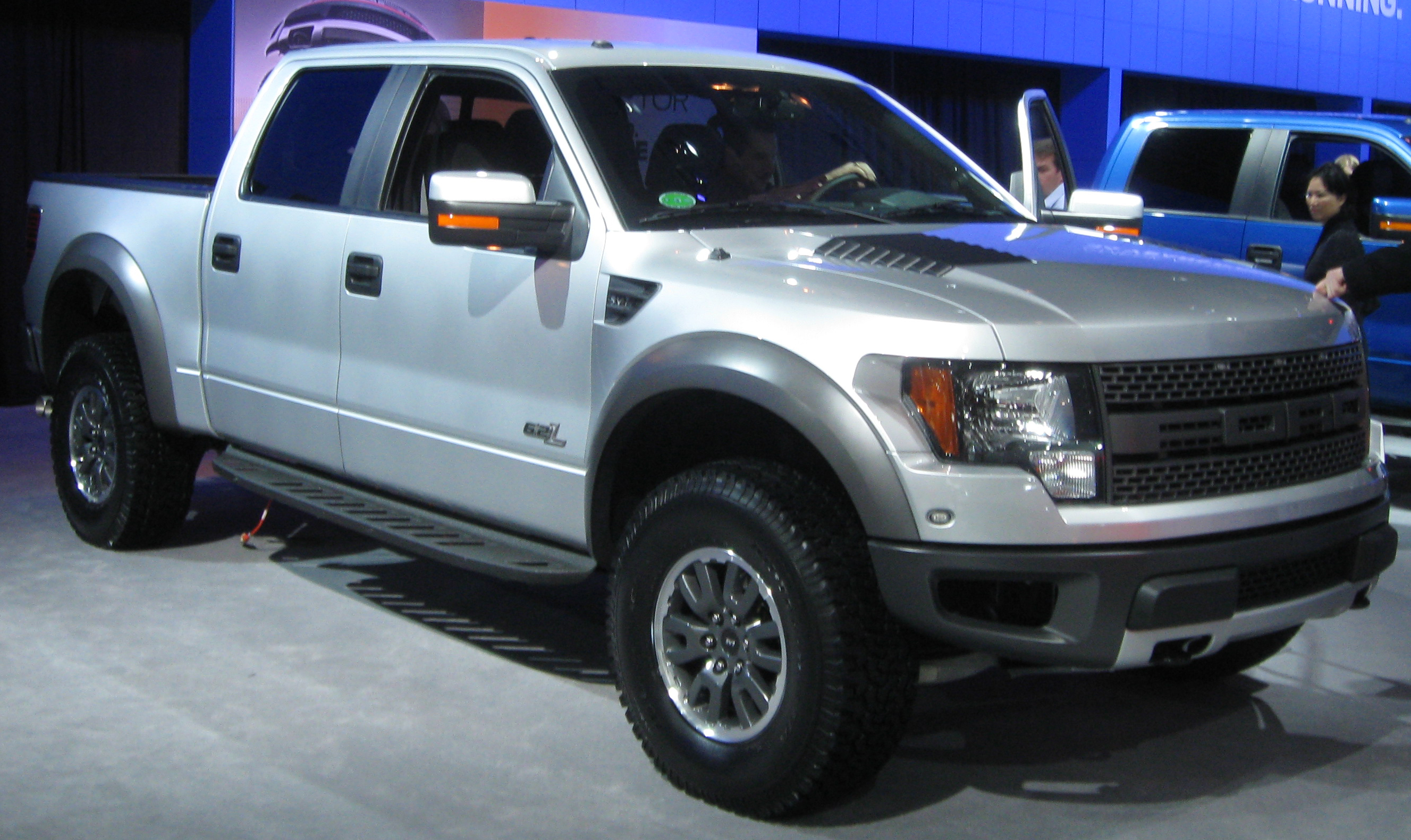 file 2011 ford f 150 svt raptor 2011 wikimedia commons. Black Bedroom Furniture Sets. Home Design Ideas