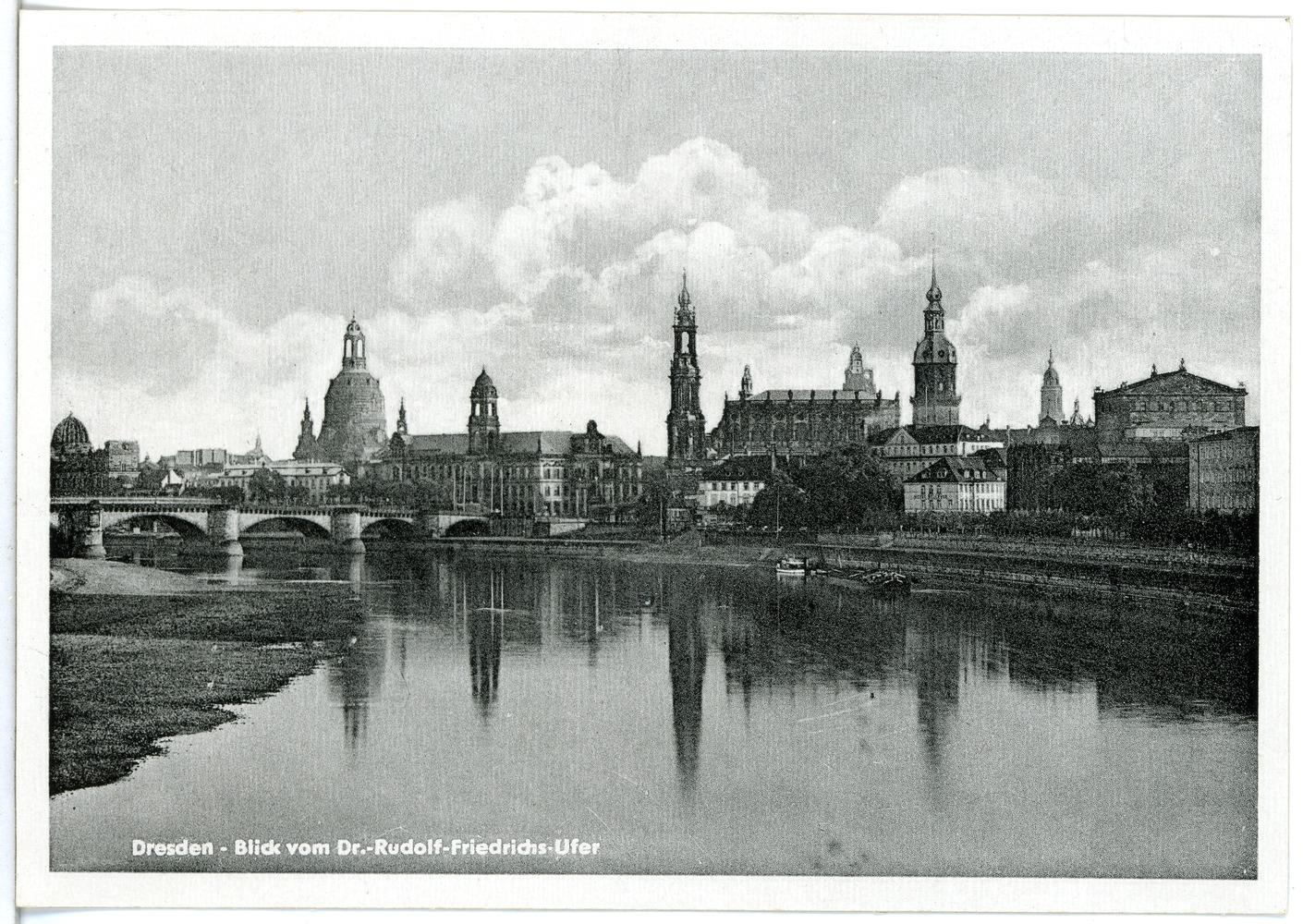 File:29290-Dresden-1956-Blick auf die Altstadt vom Dr.-R.-Friedrichs-Ufer,  vor der Zerstörung-Brück & Sohn Kunstverlag.jpg