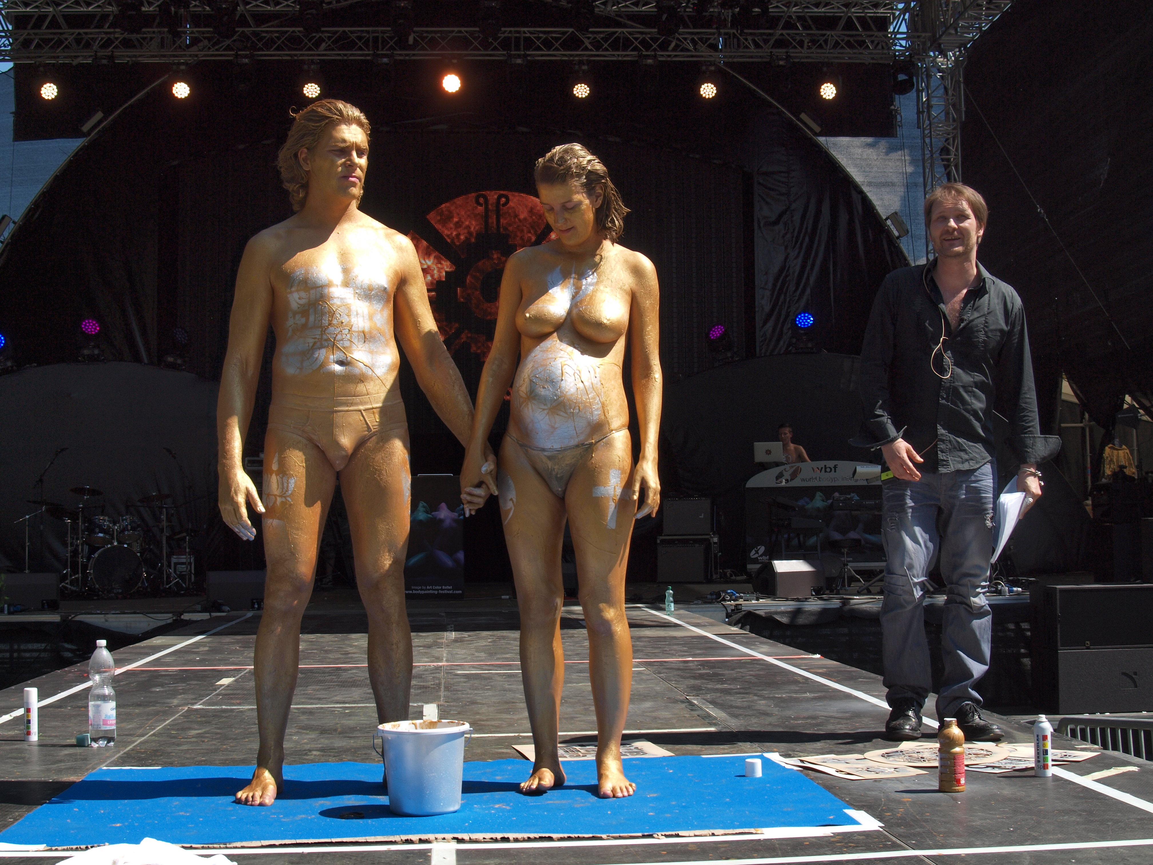 Variant Couples nude body paint excellent message