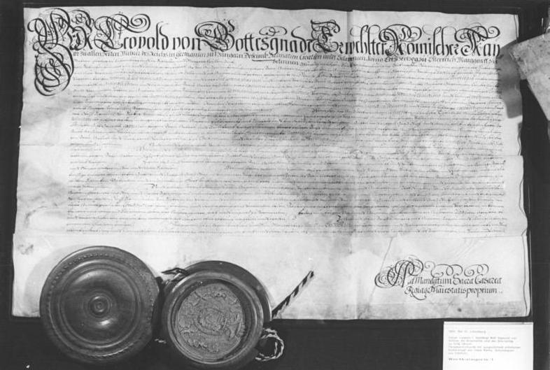 File:Bundesarchiv Bild 183-1989-0420-027, Kaiserurkunde vom 12. Mai 1693.jpg