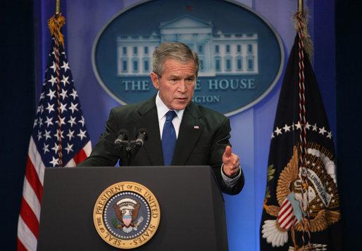 File Bush En Conferencia De Prensa Jpg Wikimedia Commons